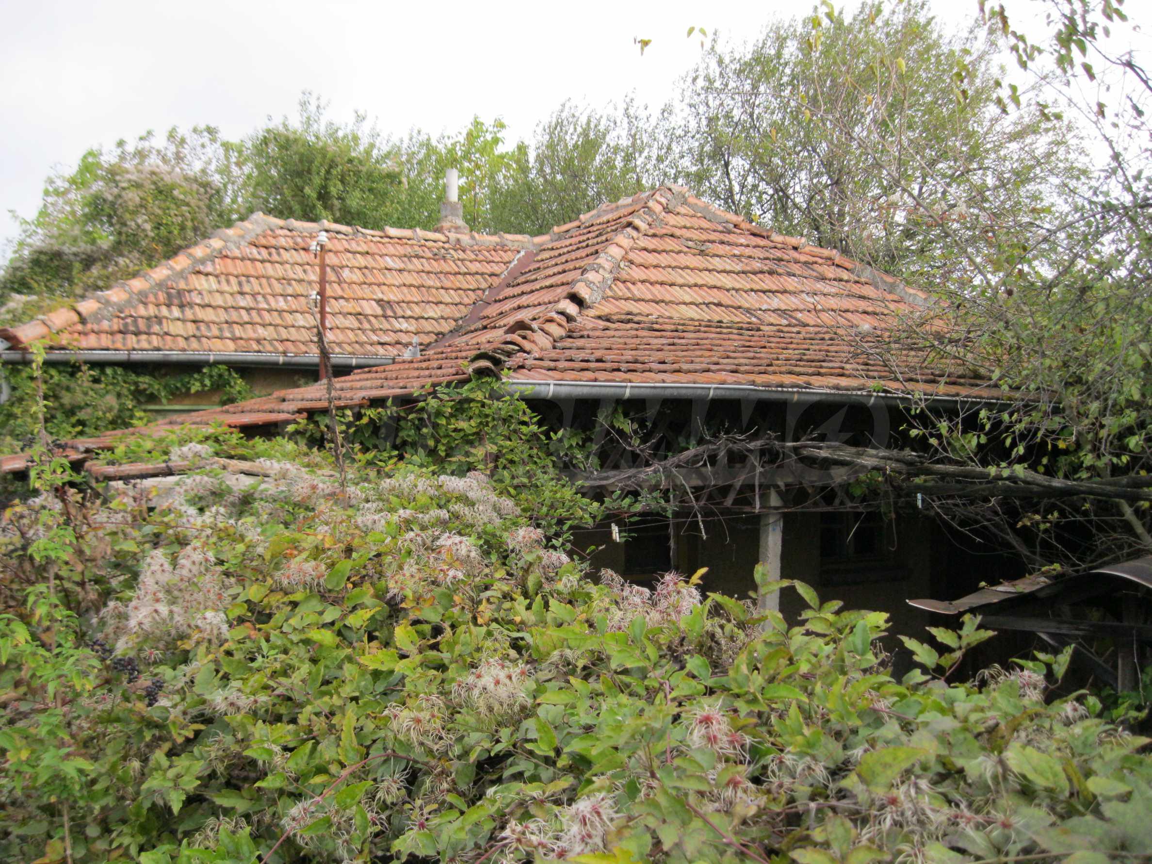 Backsteinhaus in einem Dorf, nur 100 Meter von der Hauptstraße entfernt 1