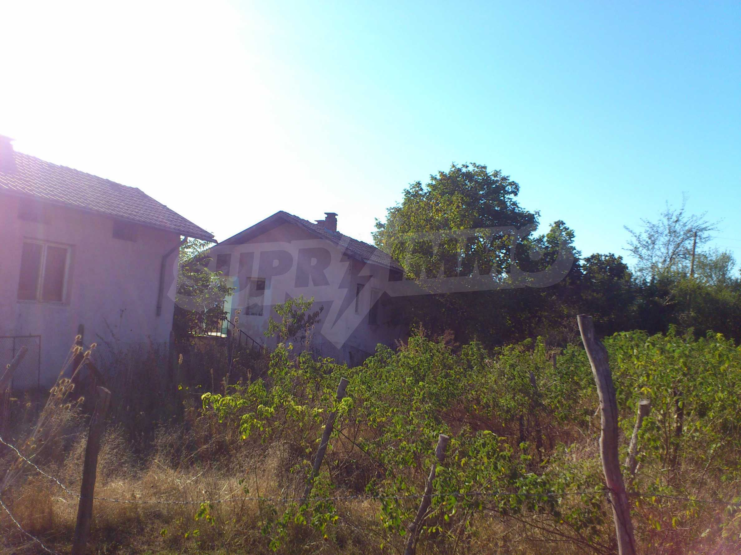 A farm with outbuildings located 8 km. from the town of Dryanovo 3