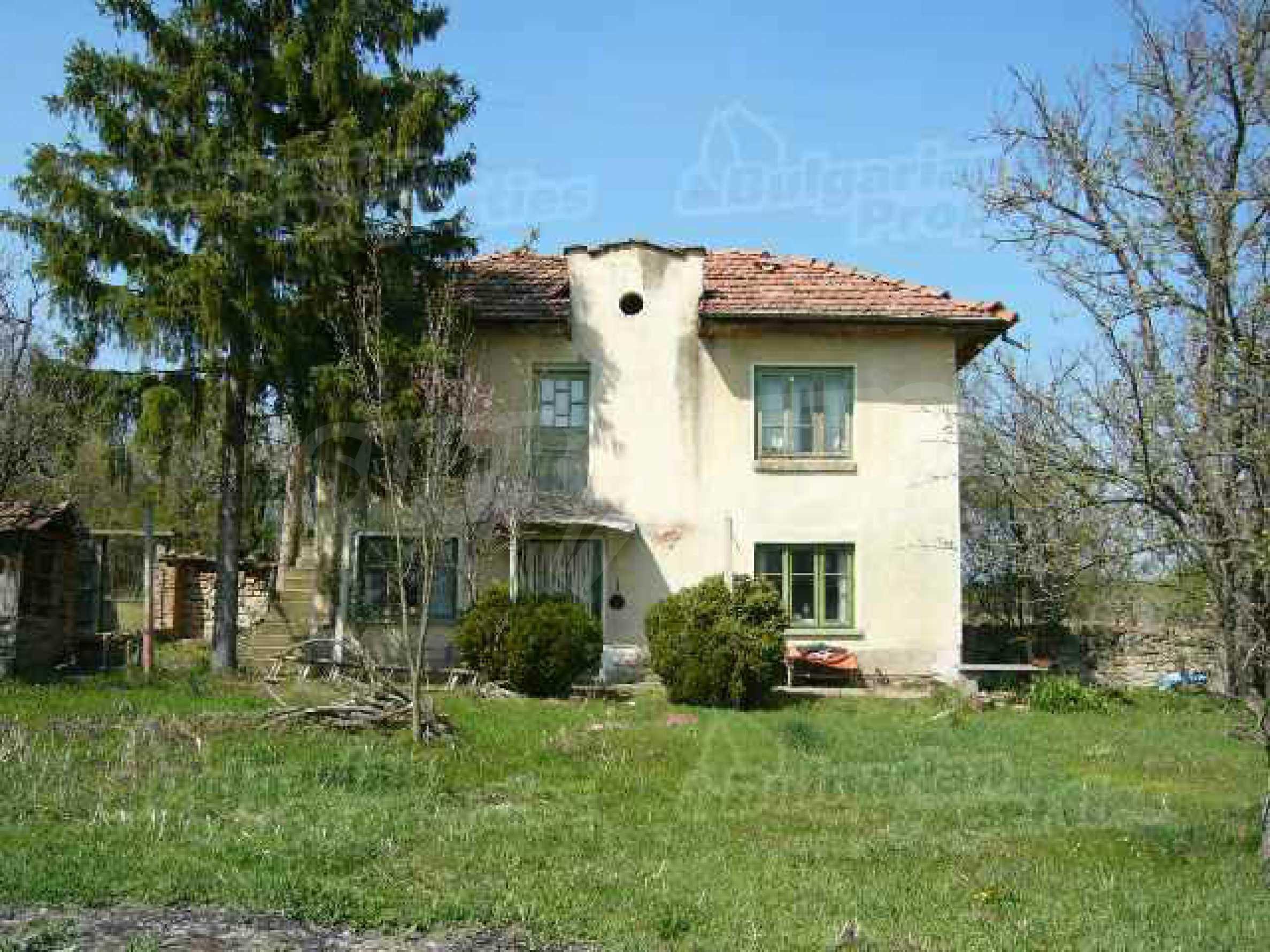 Haus zur Renovierung in der Gegend von Sevlievo und Lovech 1