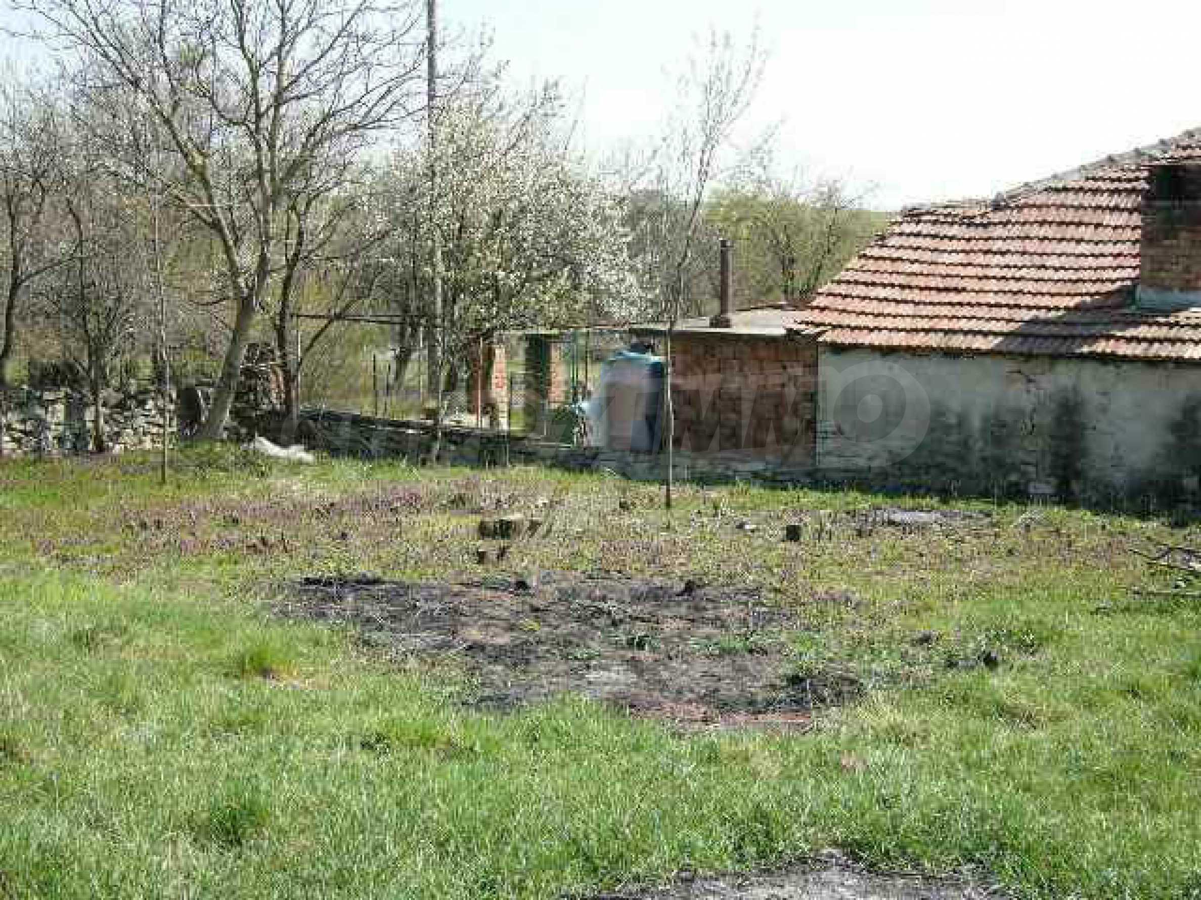 Haus zur Renovierung in der Gegend von Sevlievo und Lovech 8