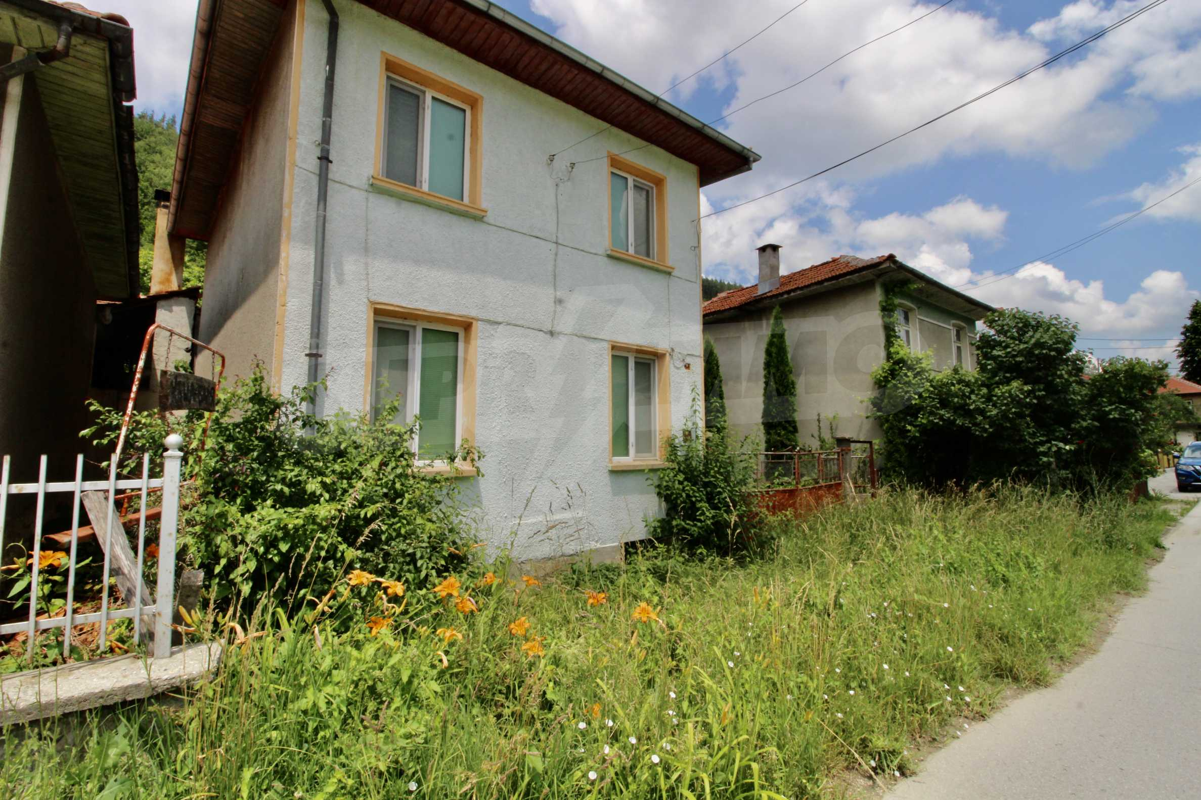 A cosy family guest house situated in Troyanski Balkan 42