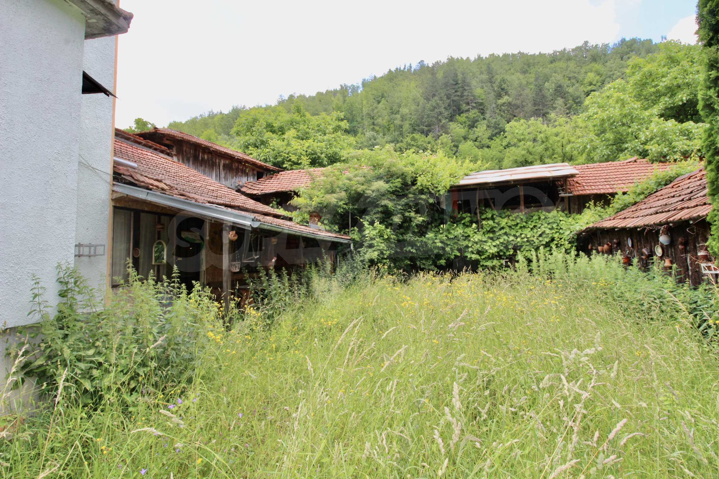 A cosy family guest house situated in Troyanski Balkan 44