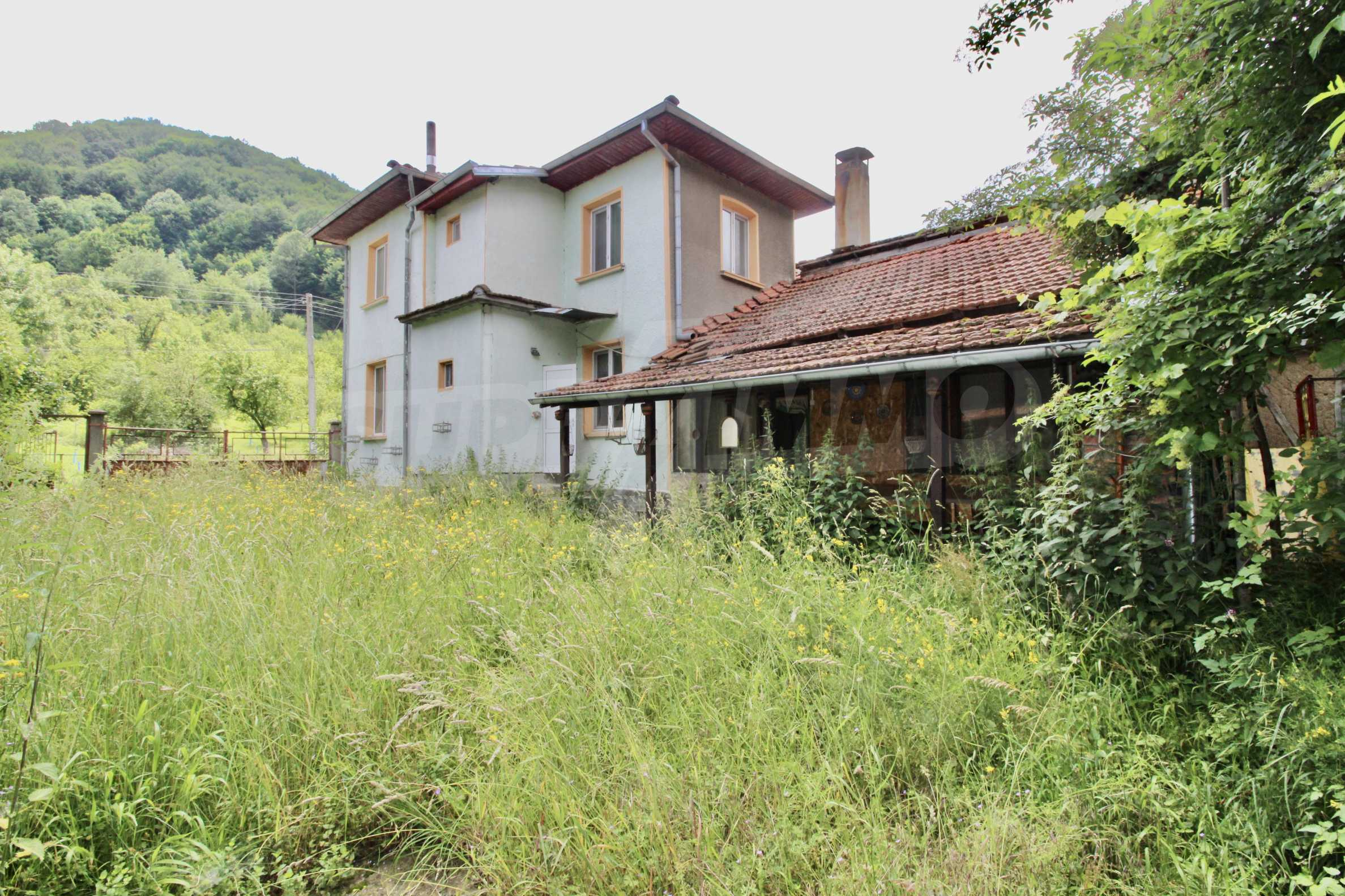A cosy family guest house situated in Troyanski Balkan 45