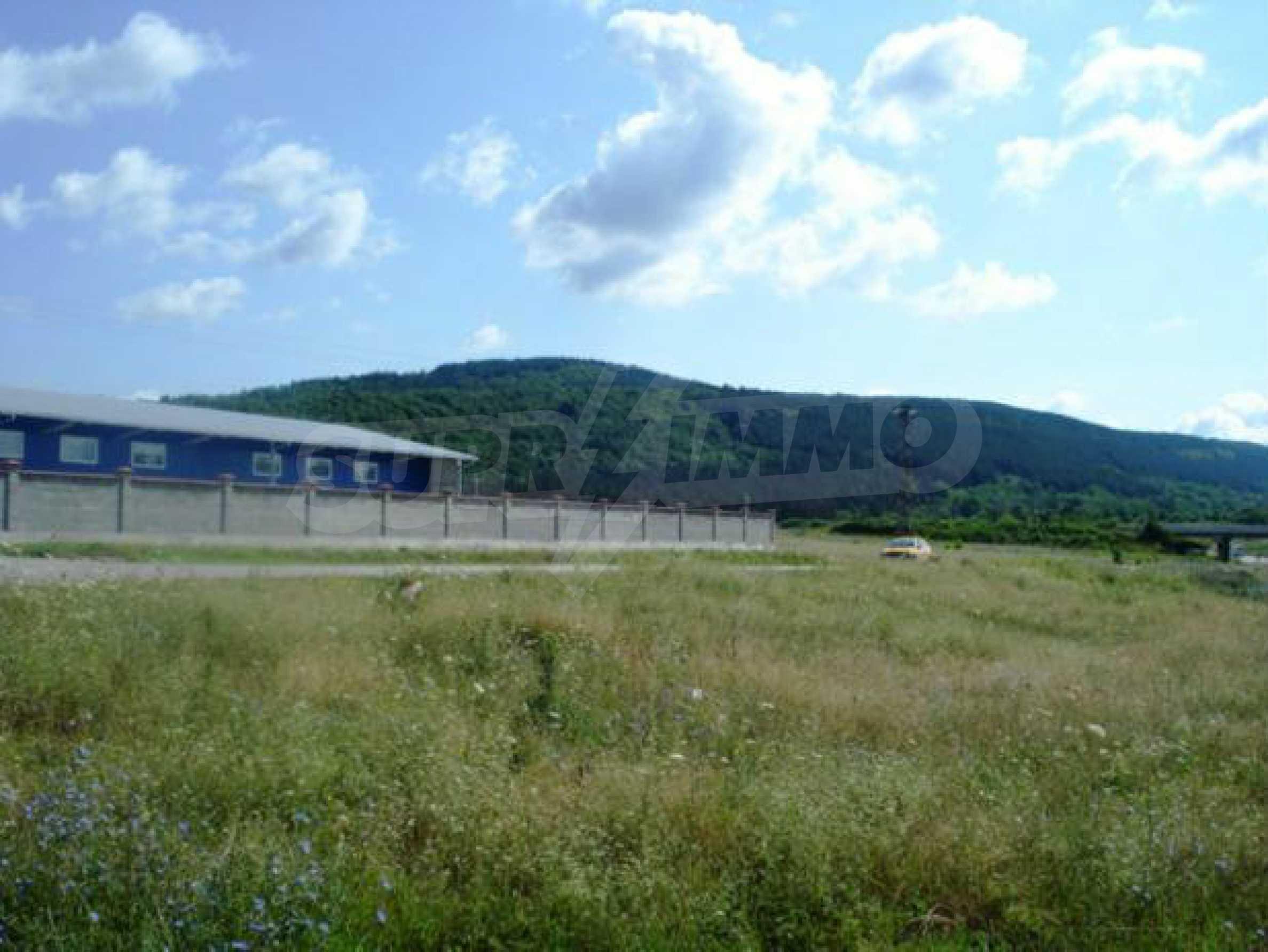 Handels- und Lagerbasis an der Hauptstraße Ruse - Svilengrad 14