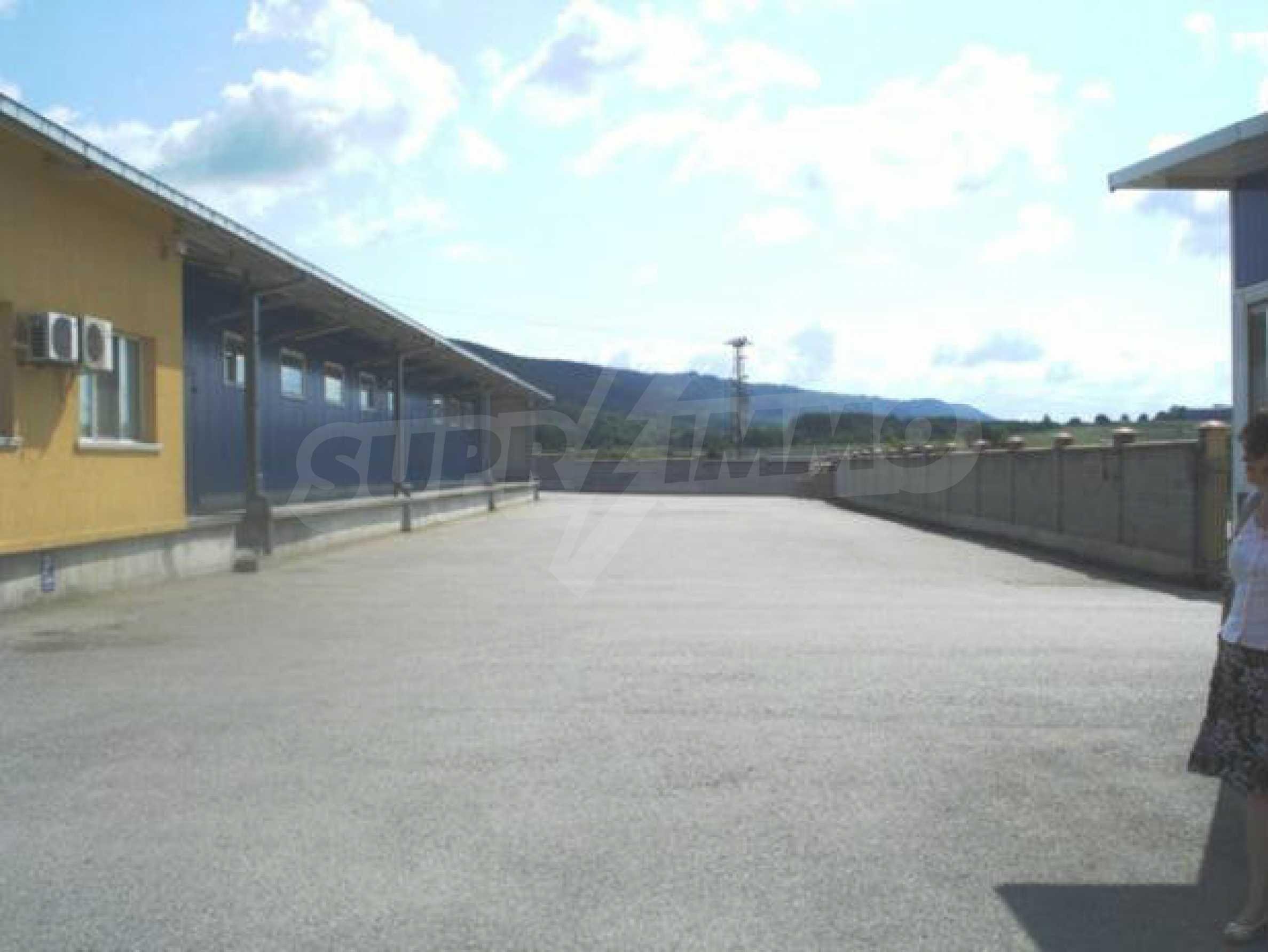 Handels- und Lagerbasis an der Hauptstraße Ruse - Svilengrad 3