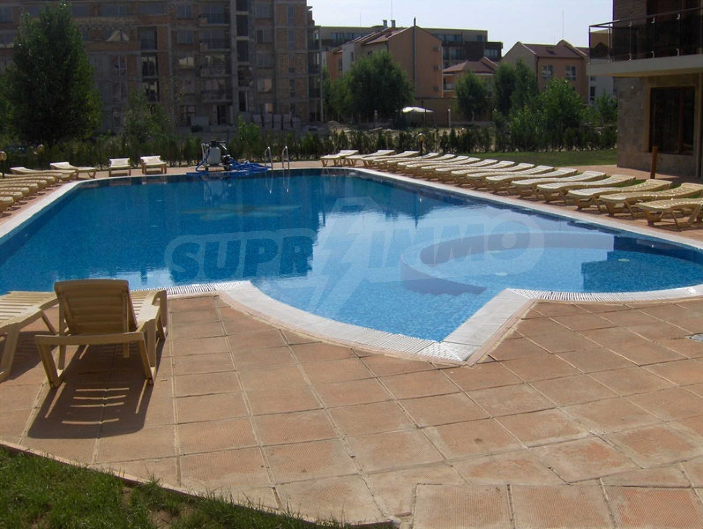 One-bedroom apartment in Magnolia Garden complex in Sunny Beach 12
