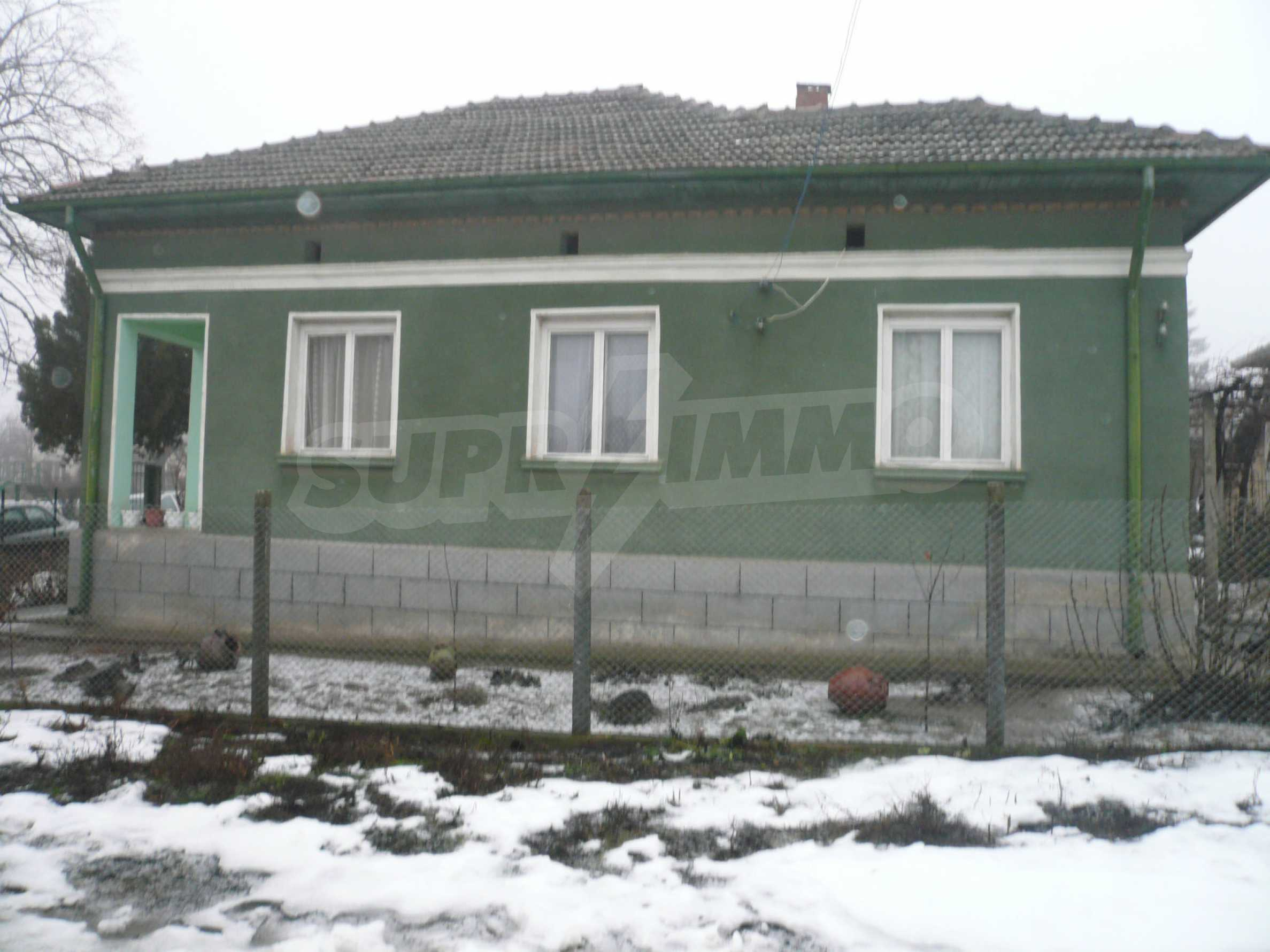 Massive house with summer kitchen 13 km from Vidin 1