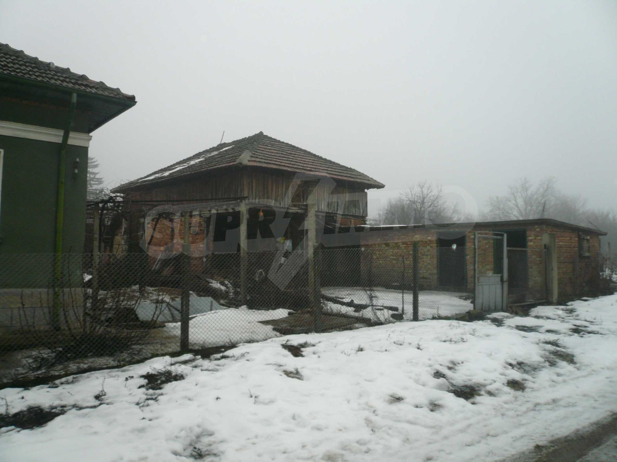 Massive house with summer kitchen 13 km from Vidin 3