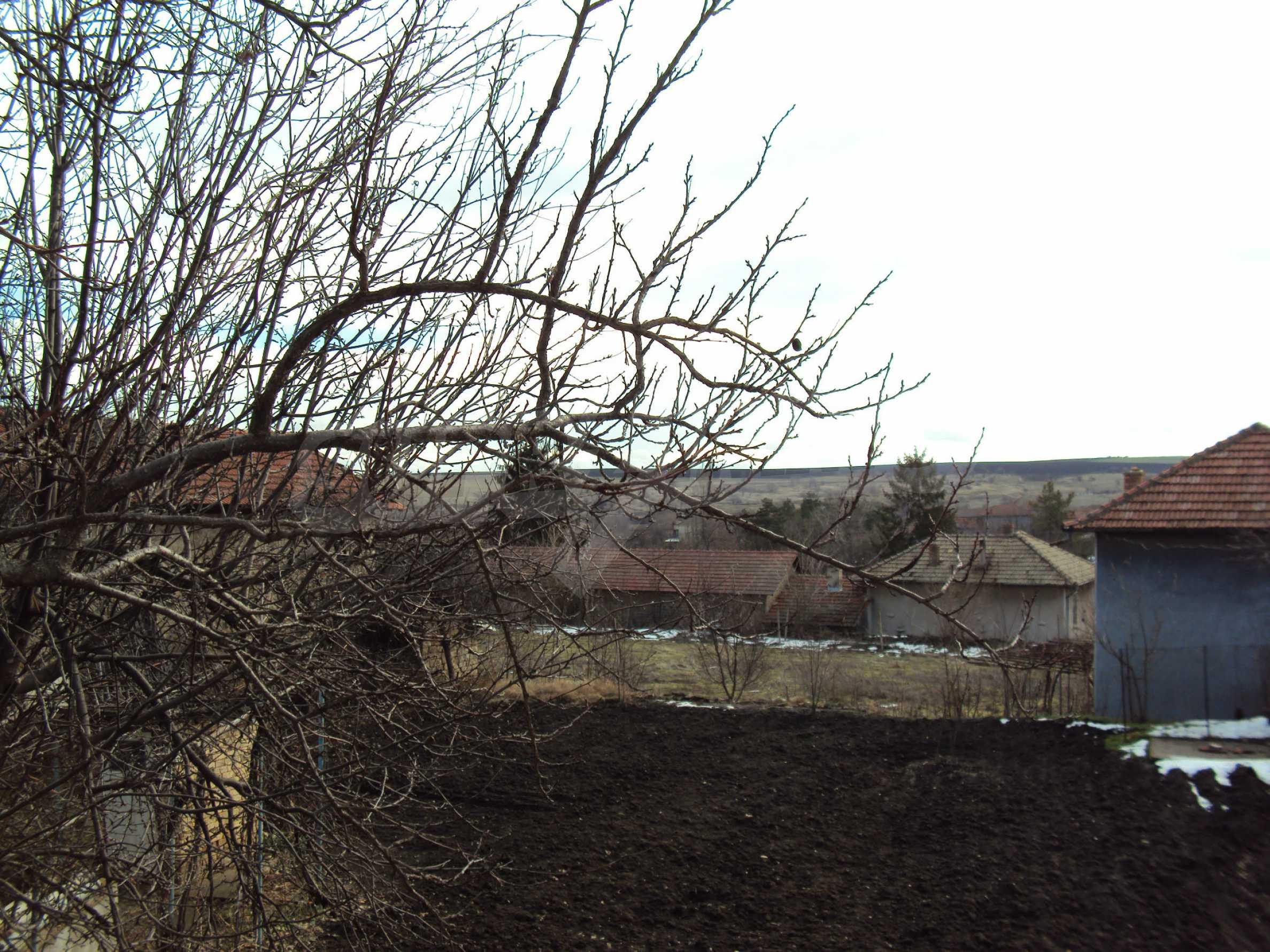 Immobilien in einem Dorf nur 12 km. von Polski Trambesh 28