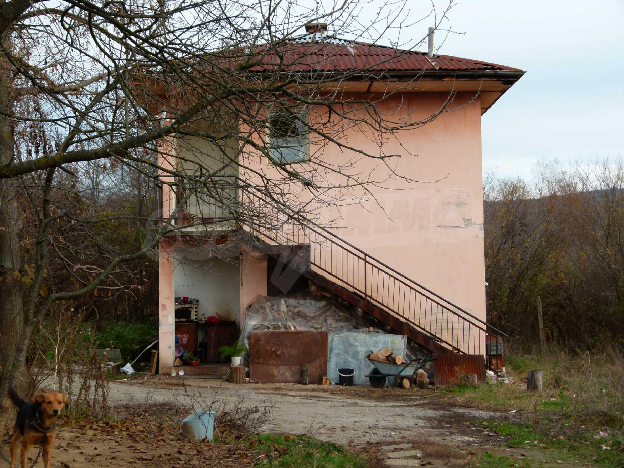 Ein Nebengebäude in einer kleinen Stadt 24 km von Veliko Tarnovo entfernt