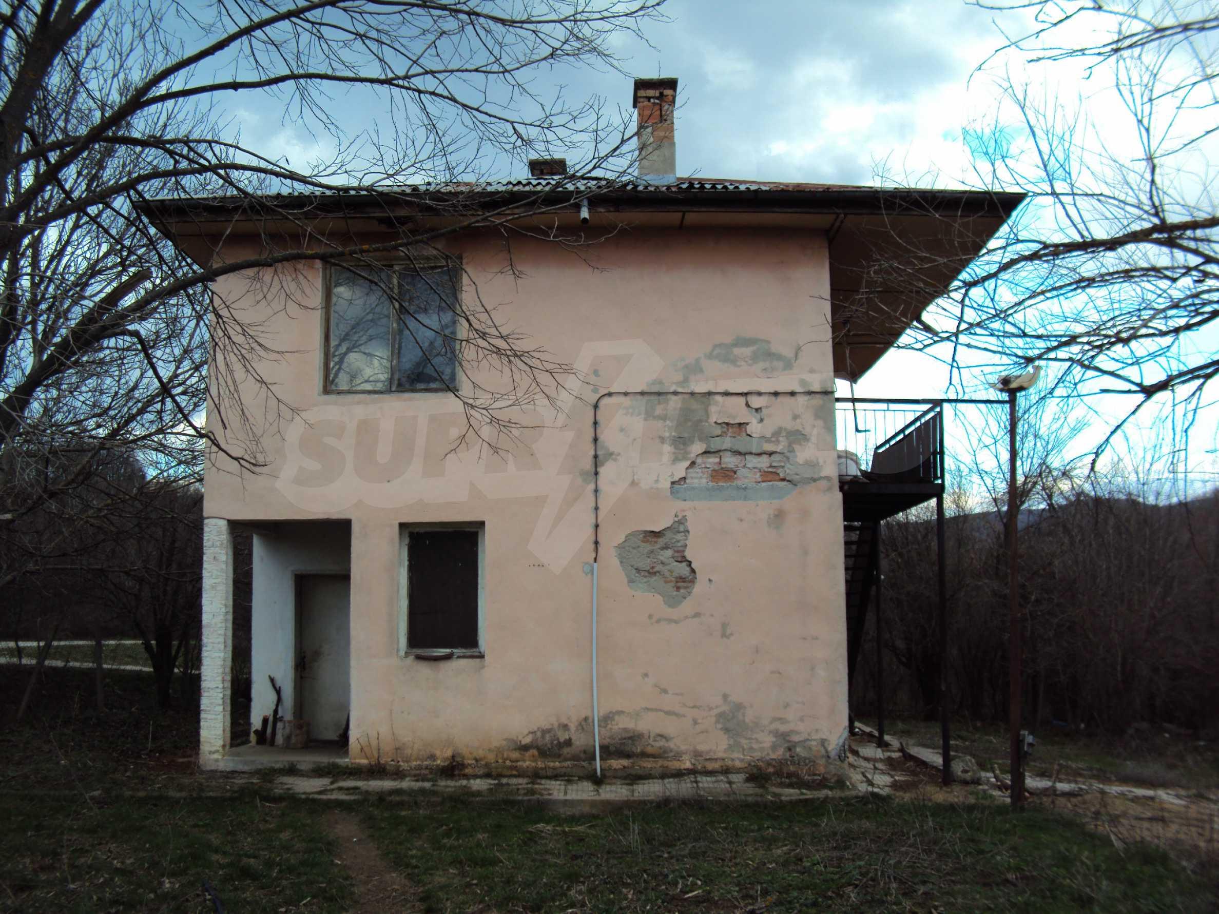 Ein Nebengebäude in einer kleinen Stadt 24 km von Veliko Tarnovo entfernt 9