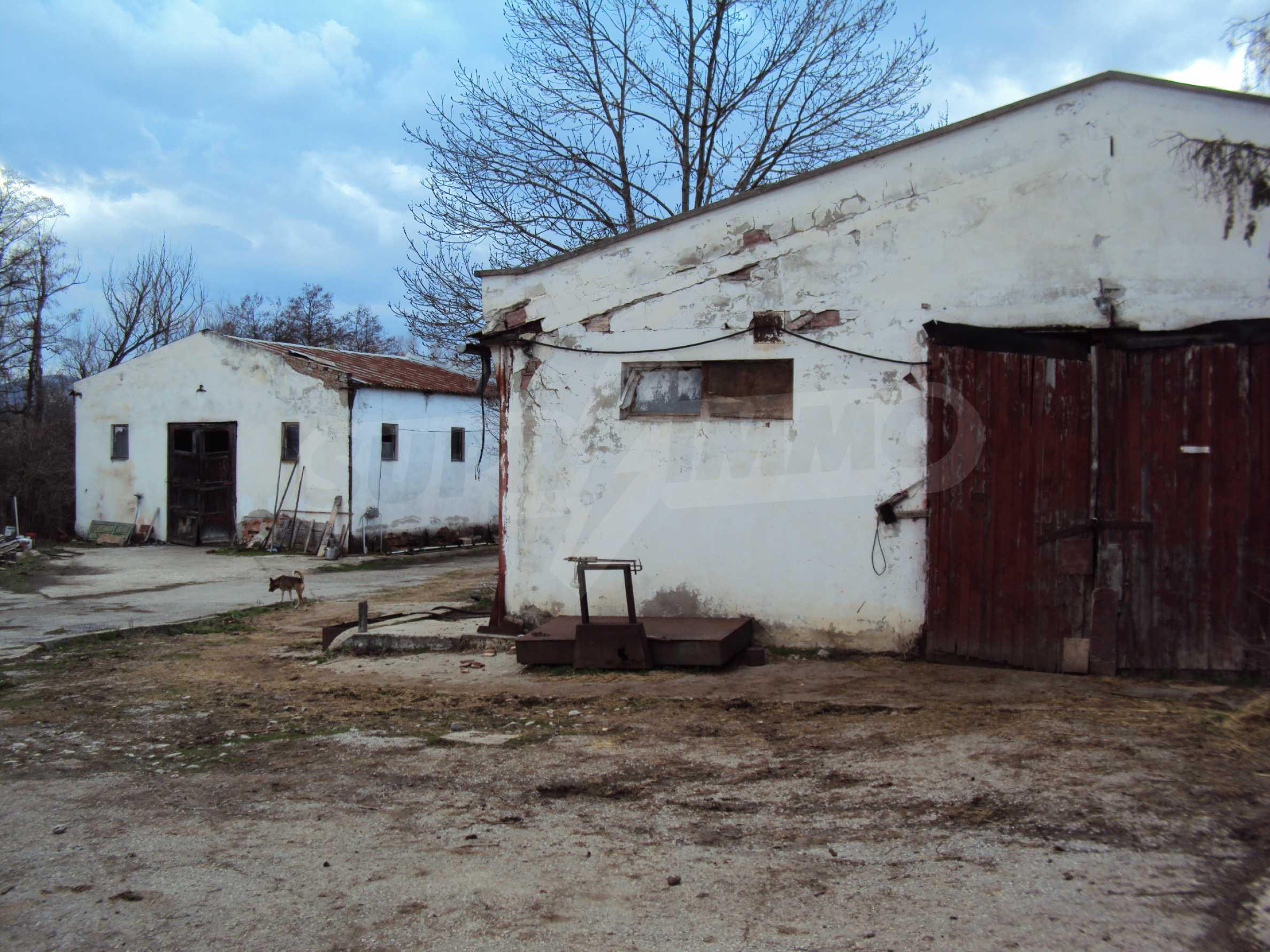 Ein Nebengebäude in einer kleinen Stadt 24 km von Veliko Tarnovo entfernt 11