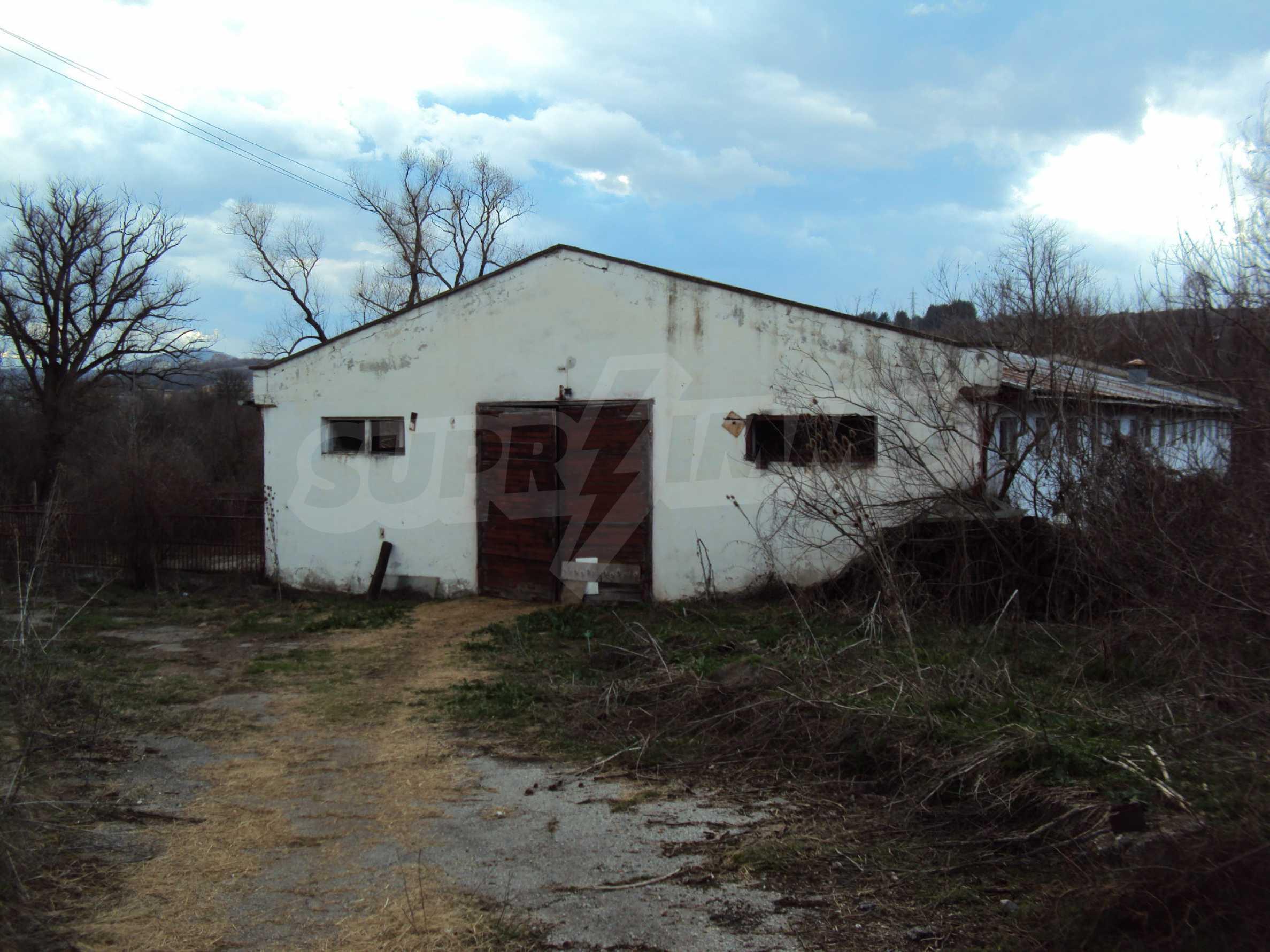 Ein Nebengebäude in einer kleinen Stadt 24 km von Veliko Tarnovo entfernt 15