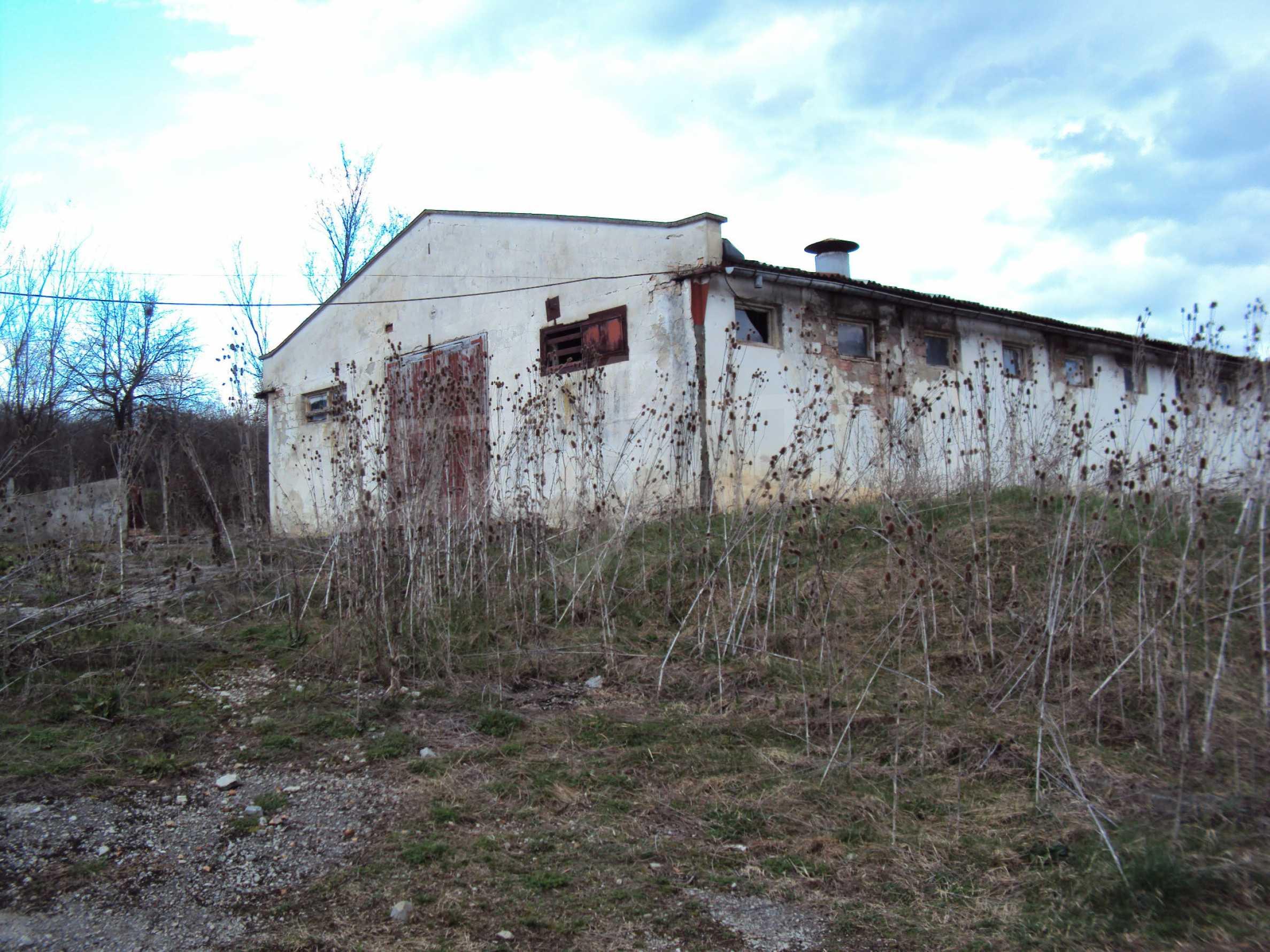 Ein Nebengebäude in einer kleinen Stadt 24 km von Veliko Tarnovo entfernt 16