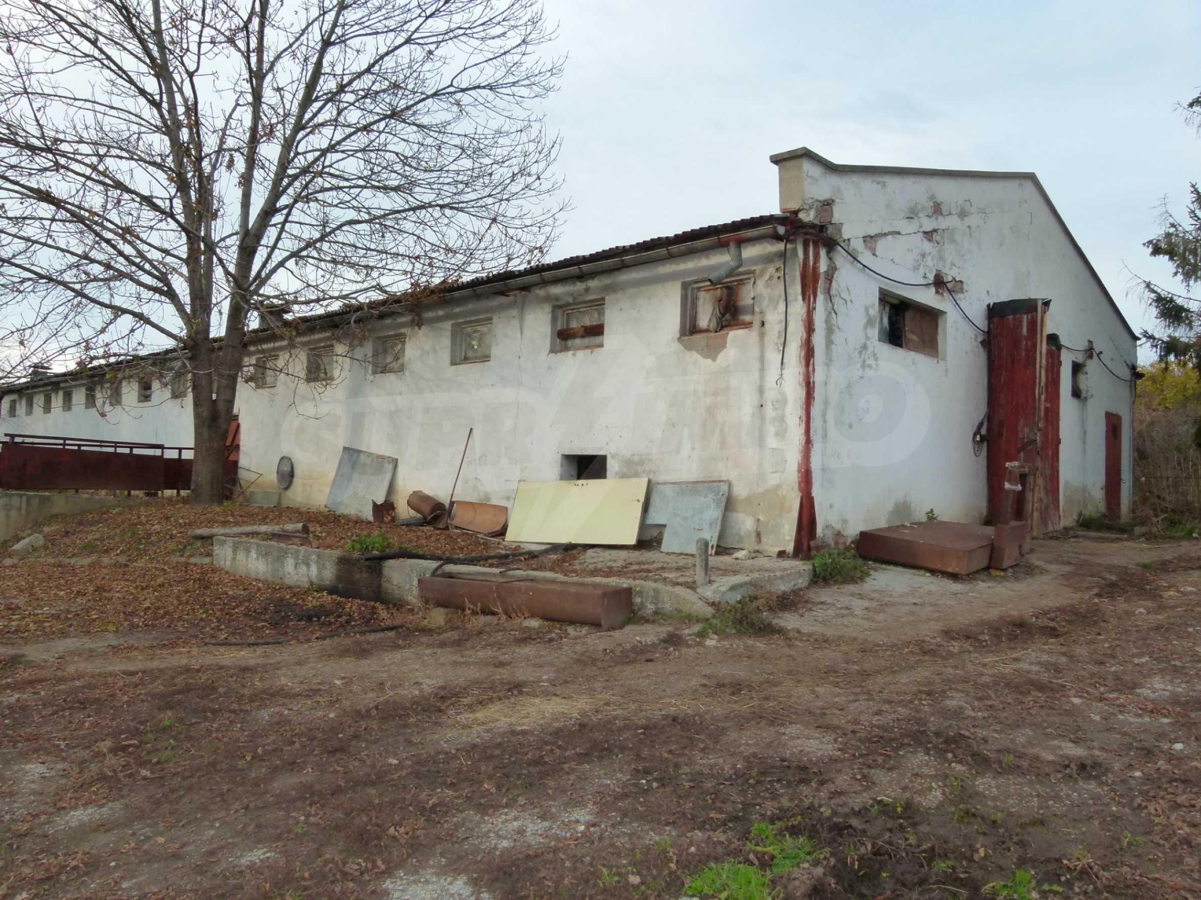 Ein Nebengebäude in einer kleinen Stadt 24 km von Veliko Tarnovo entfernt 1
