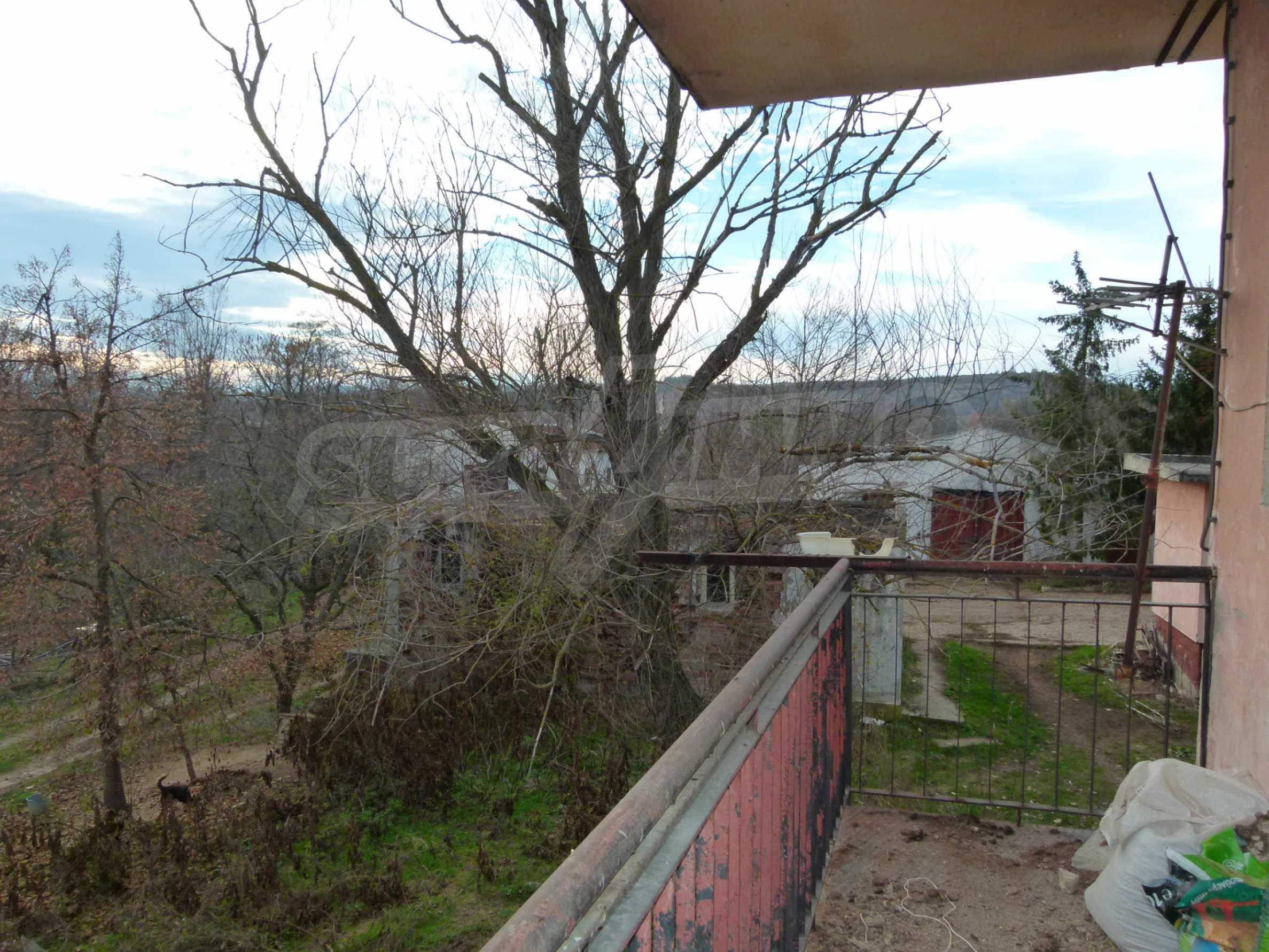 Ein Nebengebäude in einer kleinen Stadt 24 km von Veliko Tarnovo entfernt 4
