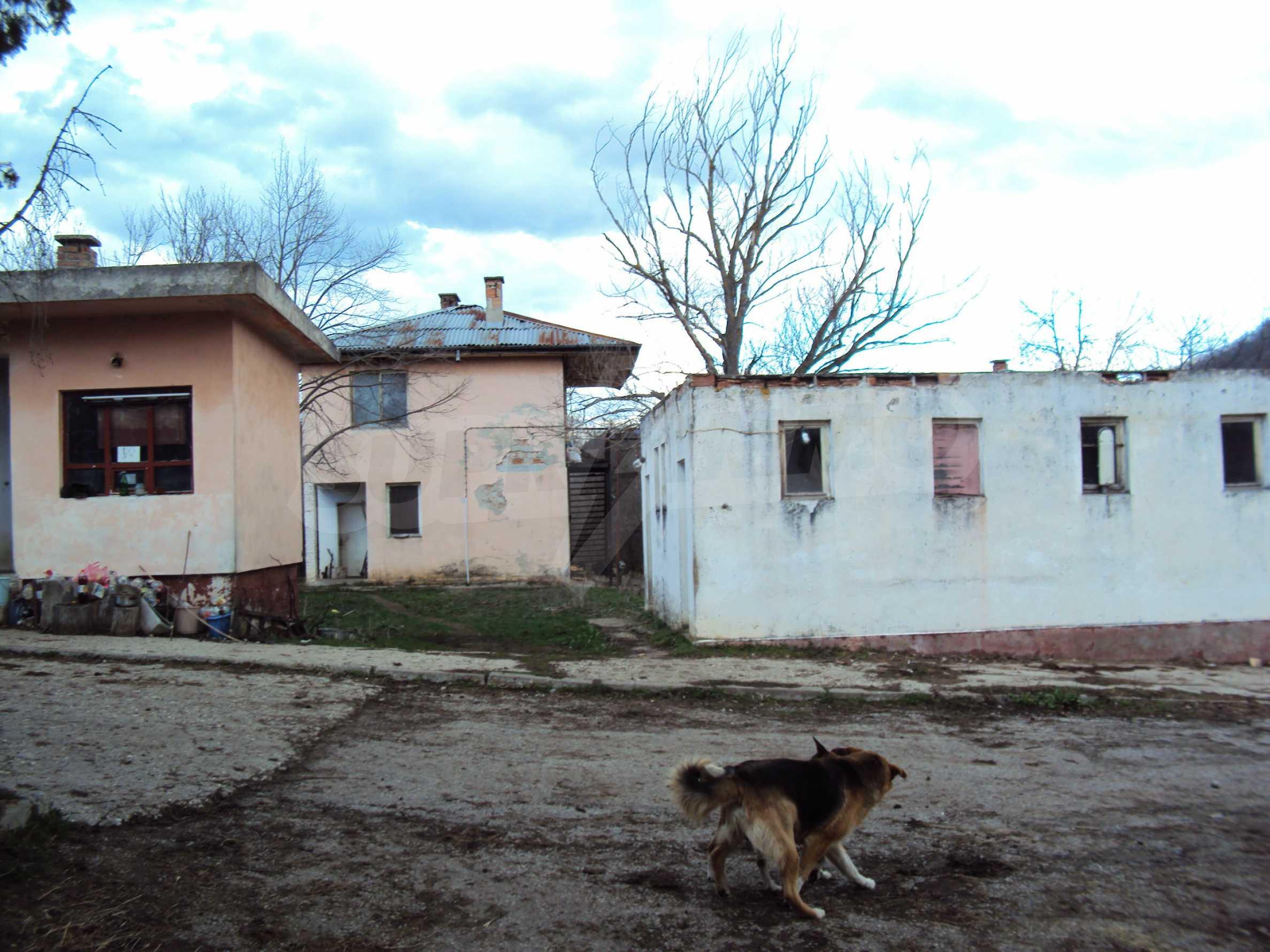 Ein Nebengebäude in einer kleinen Stadt 24 km von Veliko Tarnovo entfernt 6