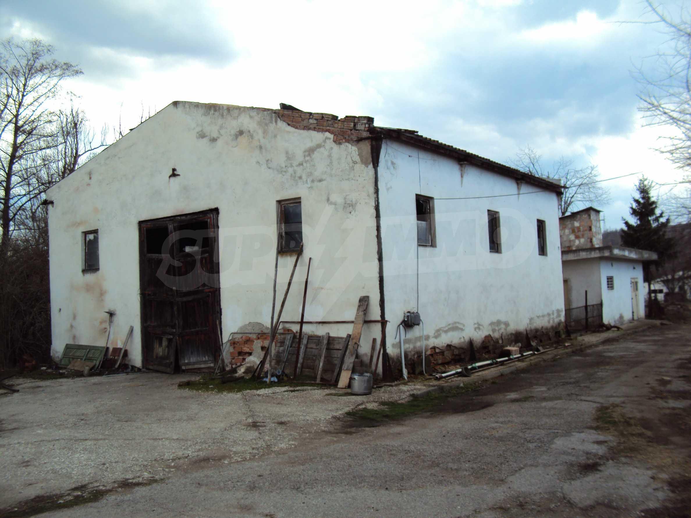 Ein Nebengebäude in einer kleinen Stadt 24 km von Veliko Tarnovo entfernt 7