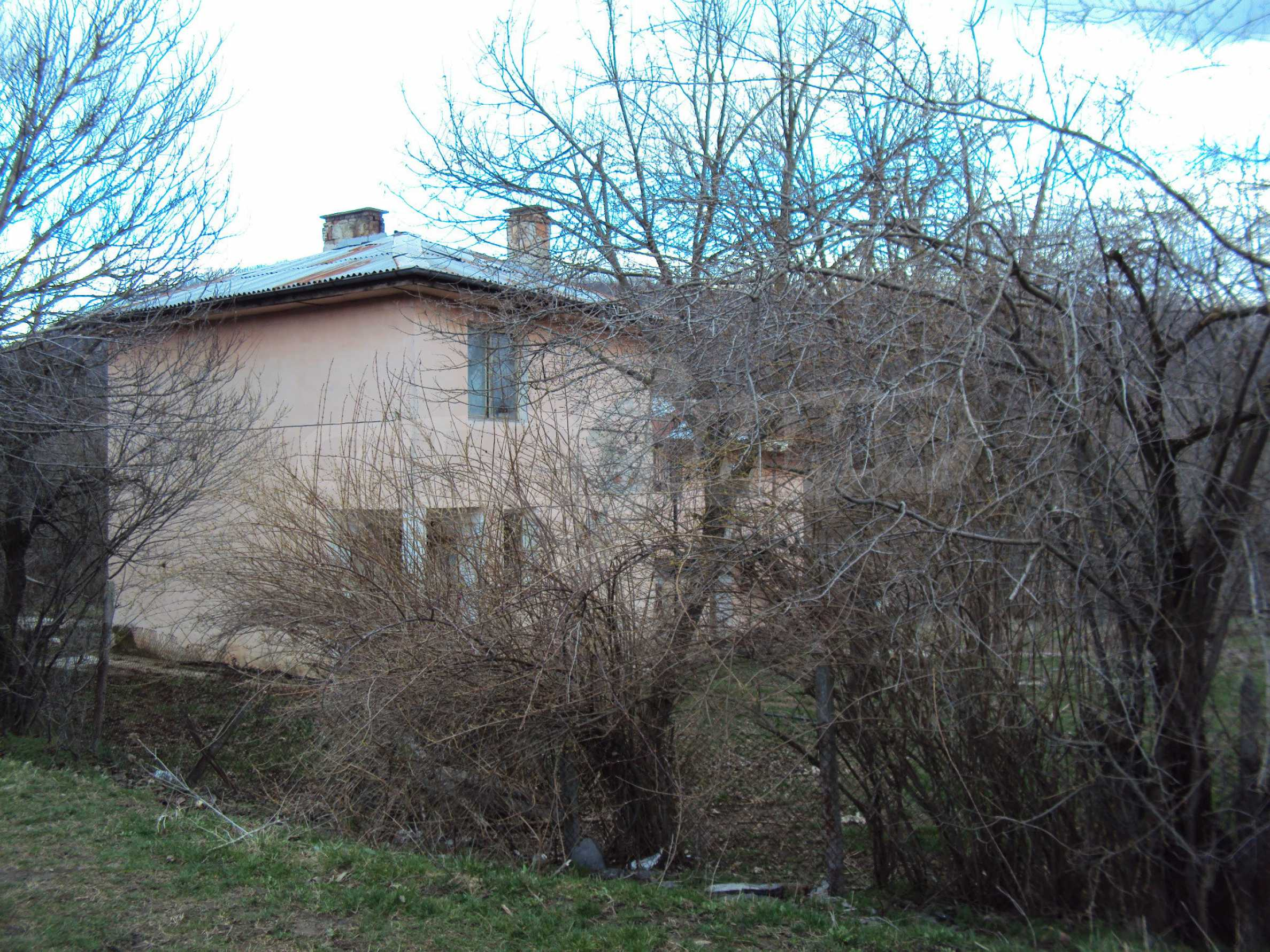 Ein Nebengebäude in einer kleinen Stadt 24 km von Veliko Tarnovo entfernt 8