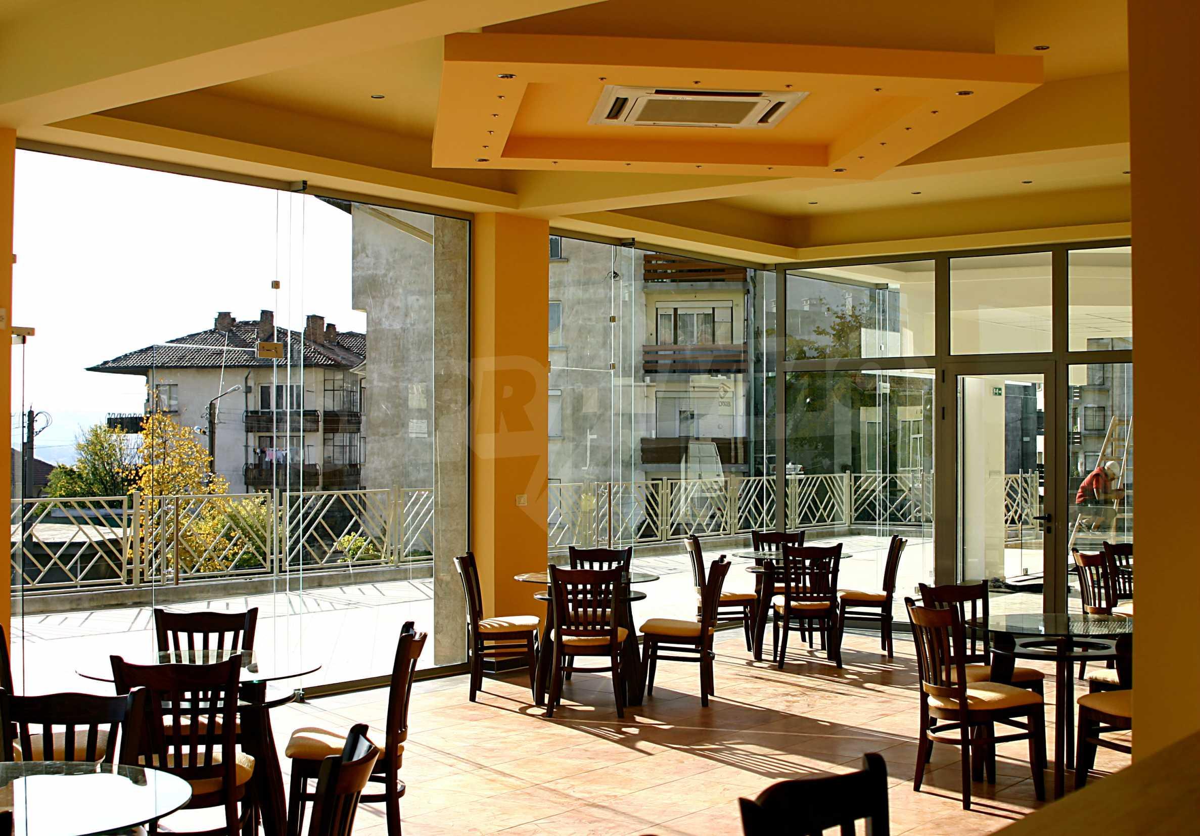 Luxuriöser Einkaufskomplex in einem gut entwickelten Viertel von Veliko Tarnovo 16