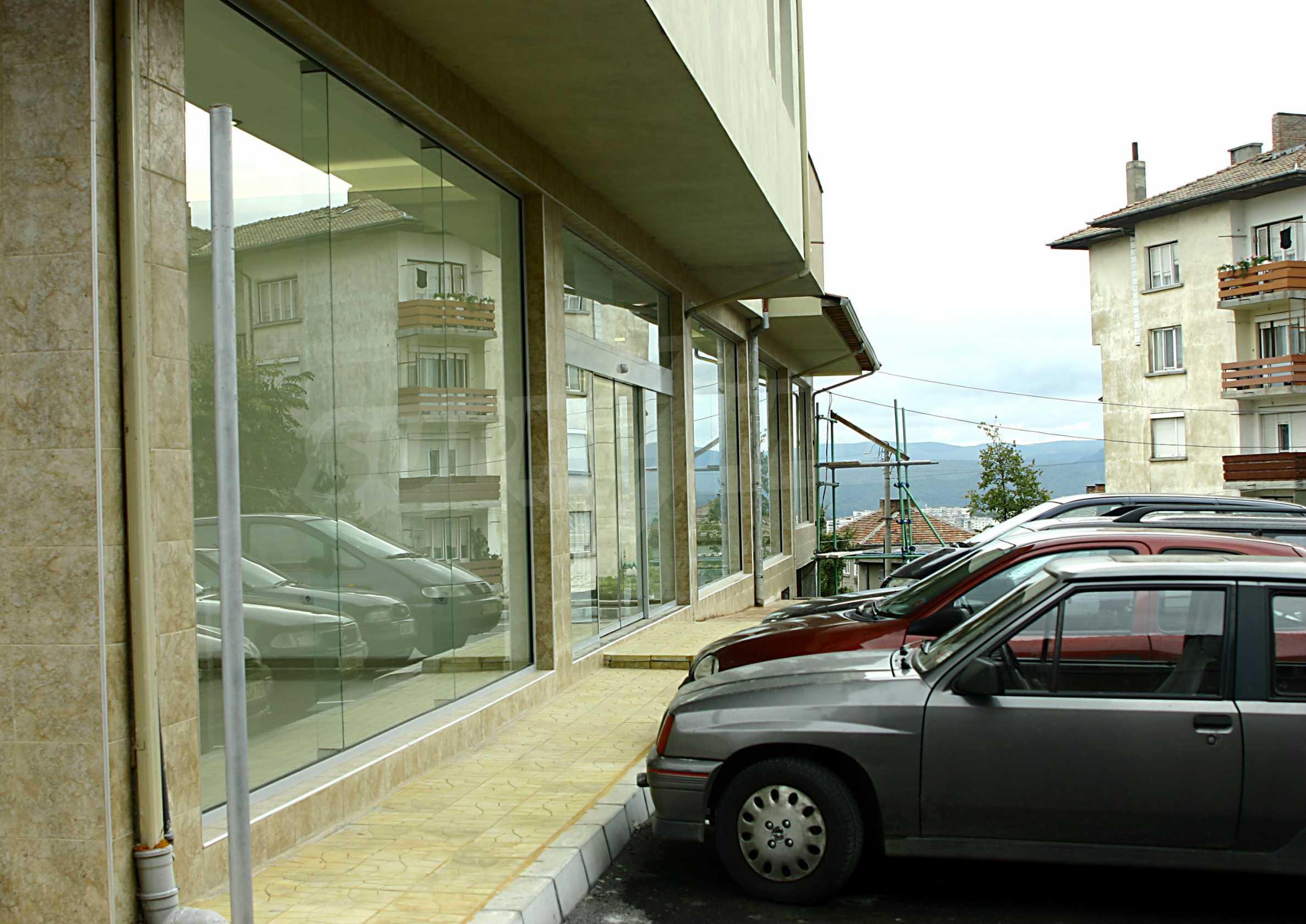 Luxuriöser Einkaufskomplex in einem gut entwickelten Viertel von Veliko Tarnovo 8