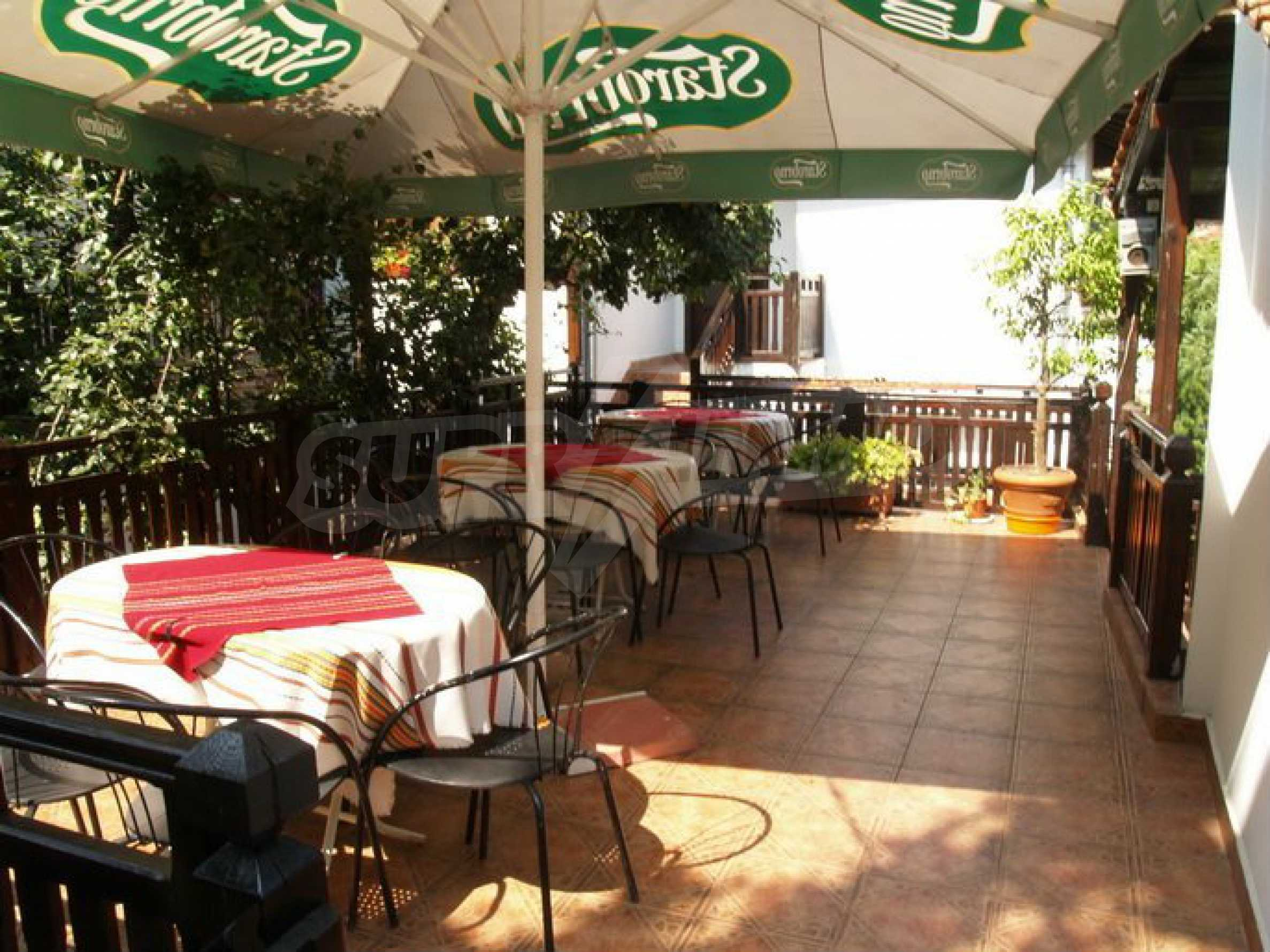 Hotelanlage mit Restaurant am Ufer des Flusses Osam in Lovech 9
