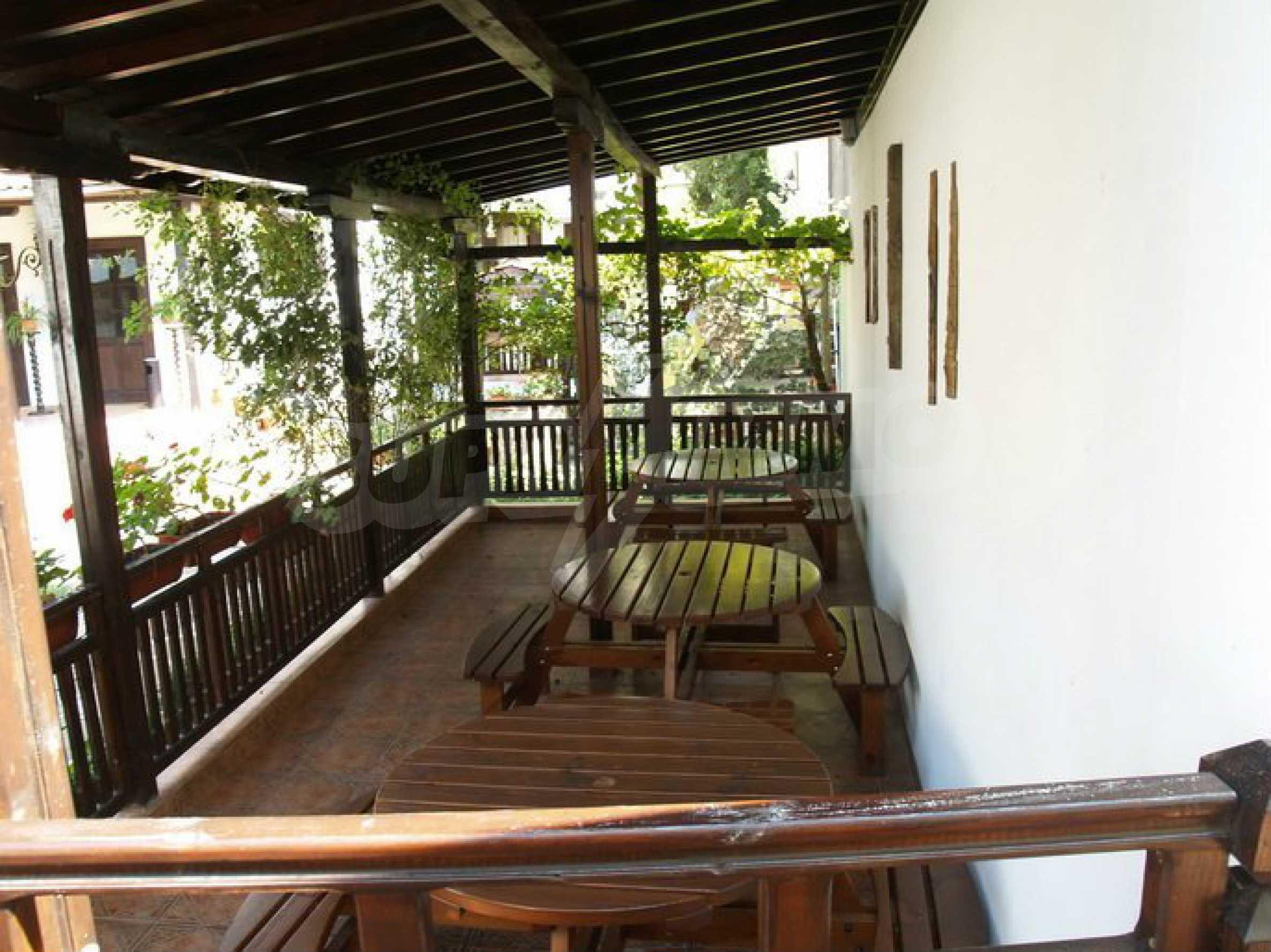Hotelanlage mit Restaurant am Ufer des Flusses Osam in Lovech 10
