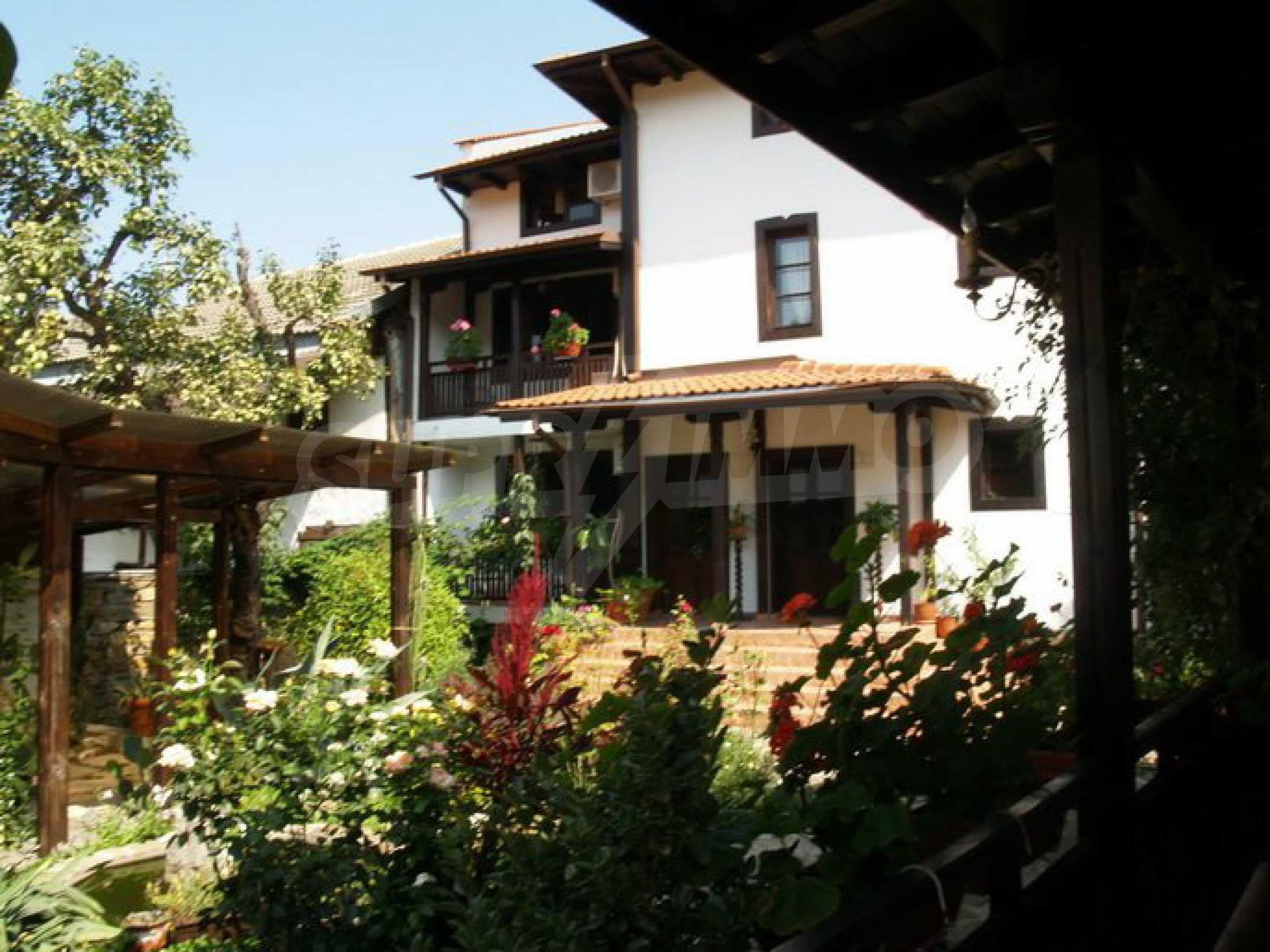 Hotelanlage mit Restaurant am Ufer des Flusses Osam in Lovech 11