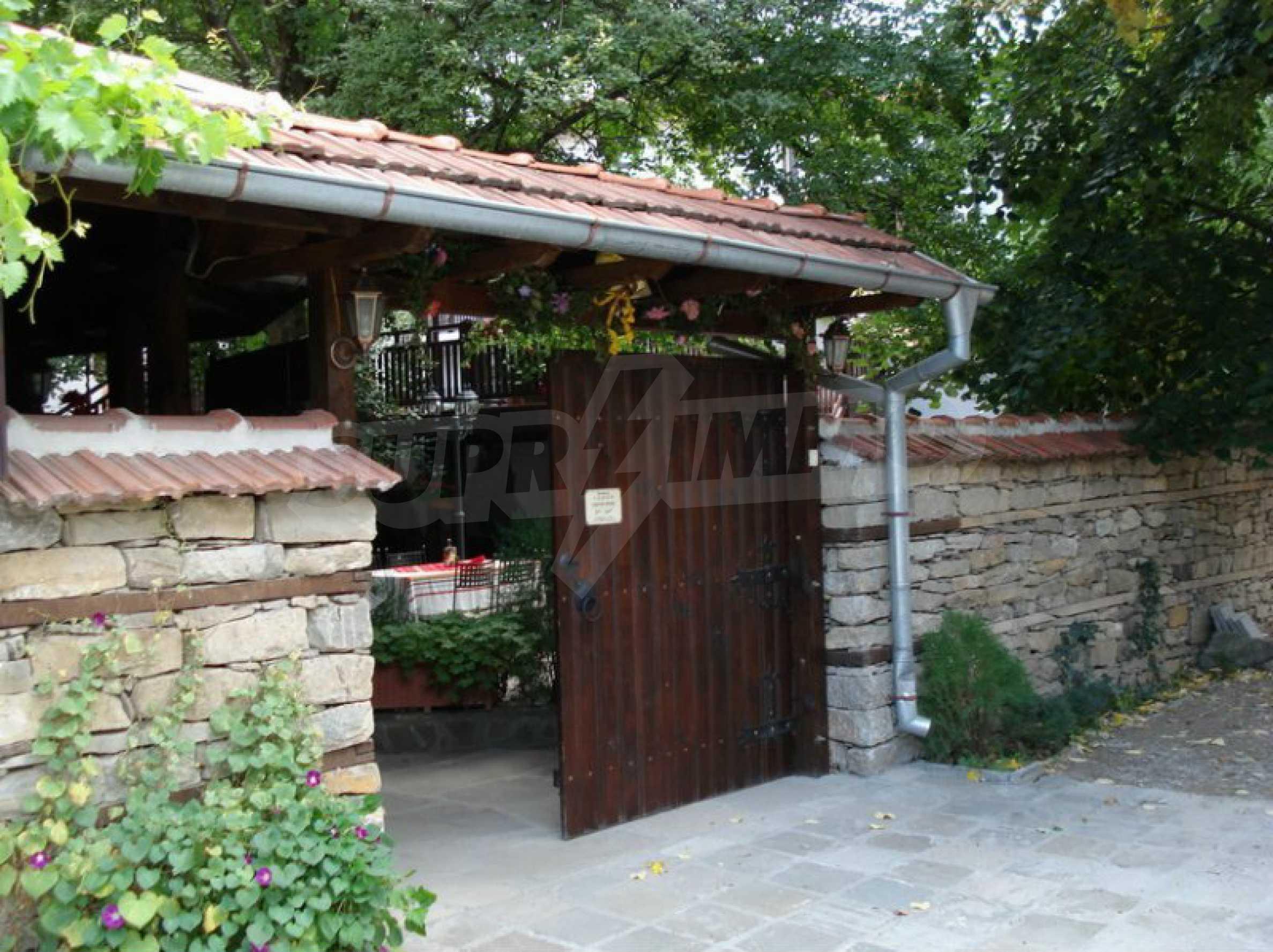 Hotelanlage mit Restaurant am Ufer des Flusses Osam in Lovech 18