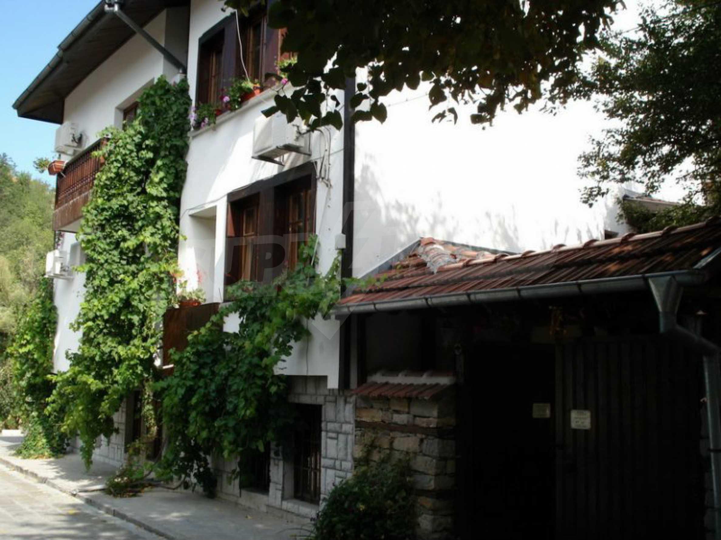 Hotelanlage mit Restaurant am Ufer des Flusses Osam in Lovech 20