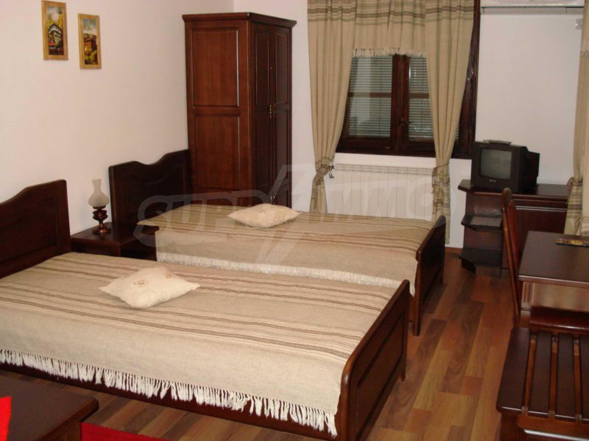 Hotelanlage mit Restaurant am Ufer des Flusses Osam in Lovech 41