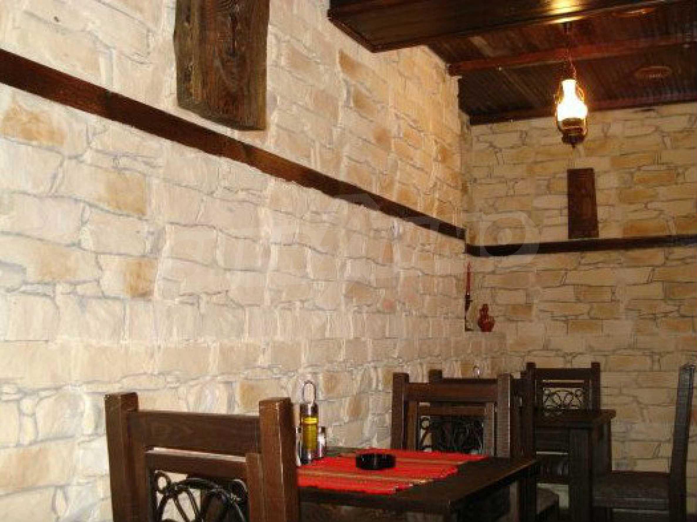 Hotelanlage mit Restaurant am Ufer des Flusses Osam in Lovech 55