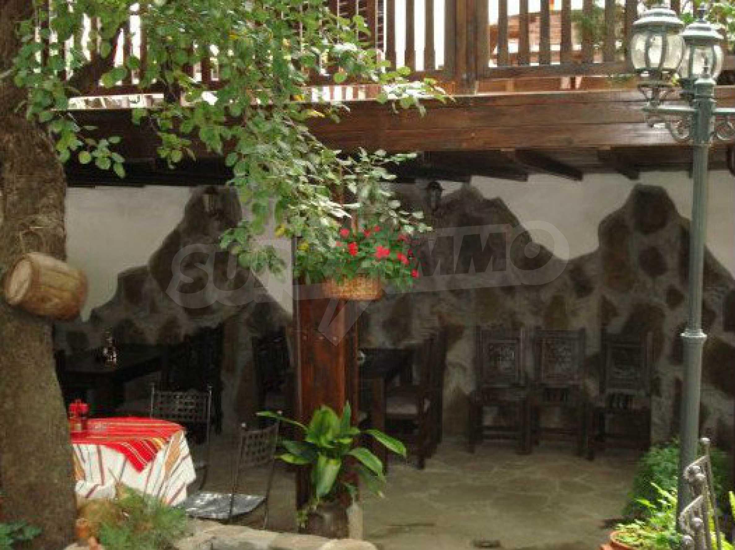 Hotelanlage mit Restaurant am Ufer des Flusses Osam in Lovech 59