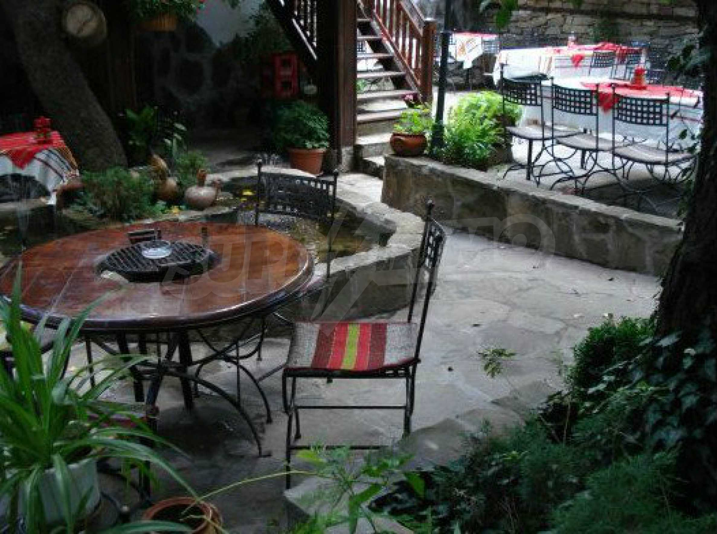 Hotelanlage mit Restaurant am Ufer des Flusses Osam in Lovech 66