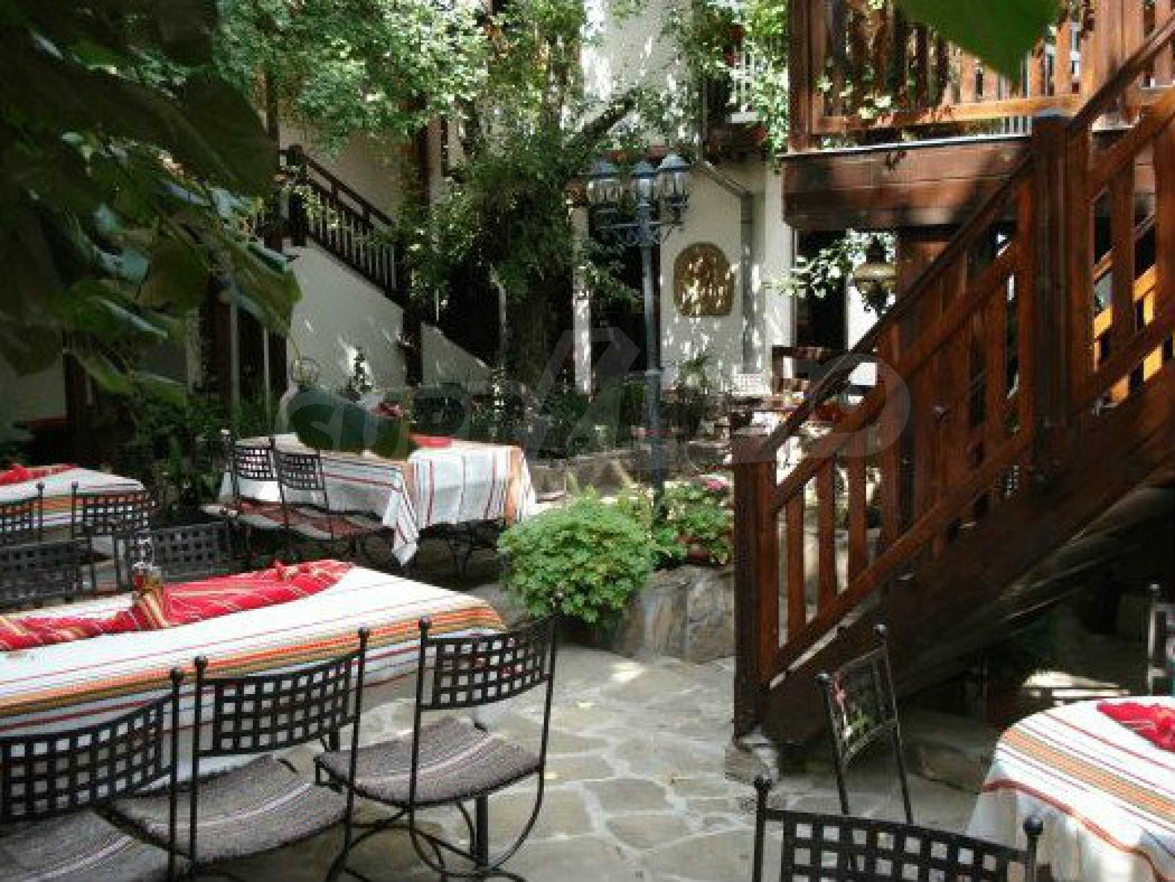 Hotelanlage mit Restaurant am Ufer des Flusses Osam in Lovech 67
