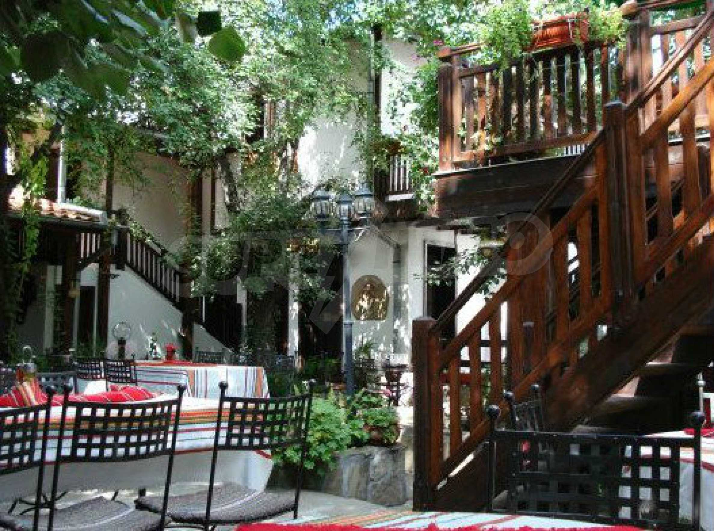 Hotelanlage mit Restaurant am Ufer des Flusses Osam in Lovech 68