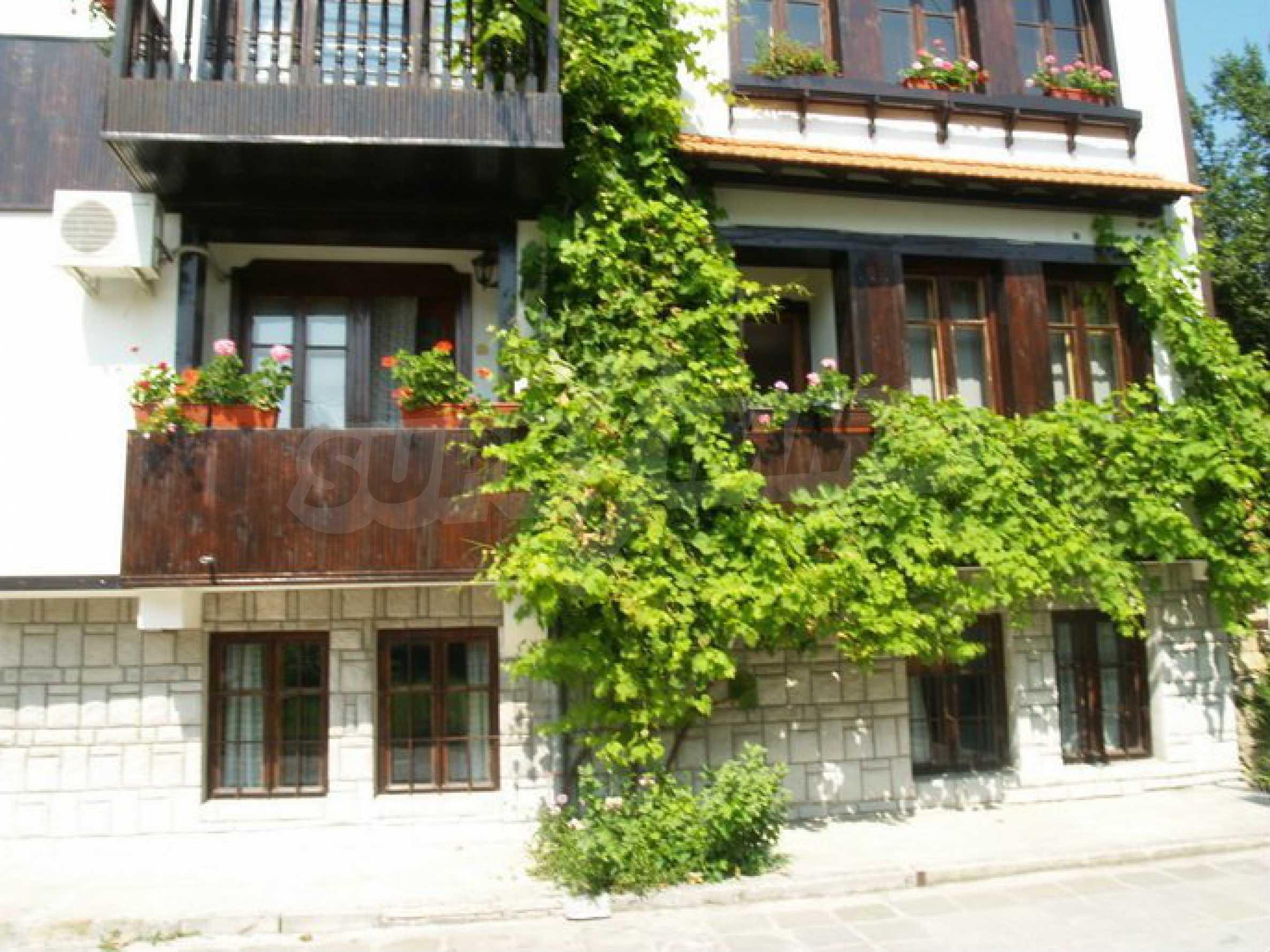 Hotelanlage mit Restaurant am Ufer des Flusses Osam in Lovech 7