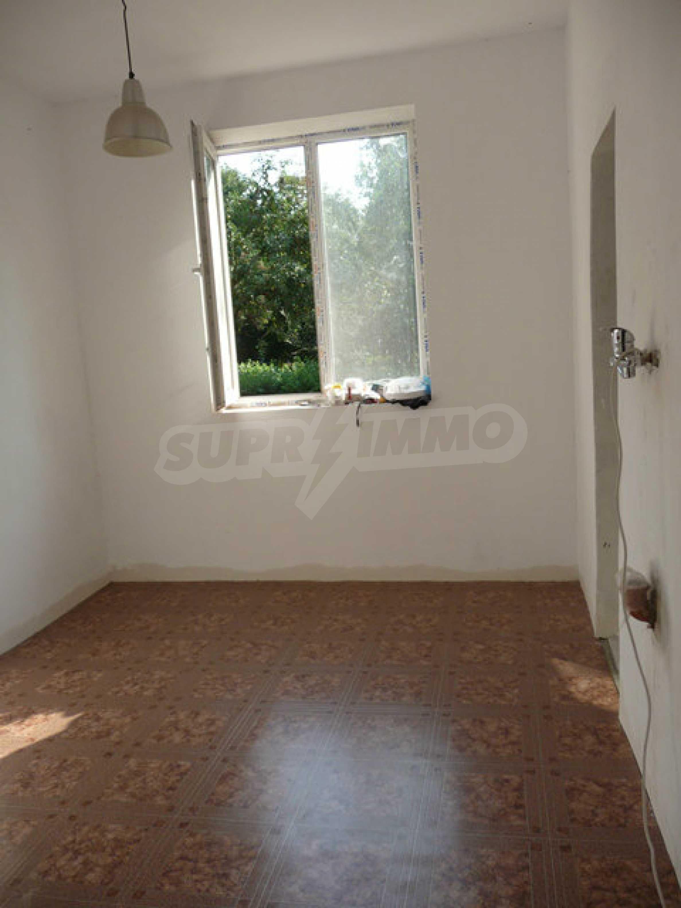Ein-Zimmer-Wohnung im Dorf Strazhitsa 6