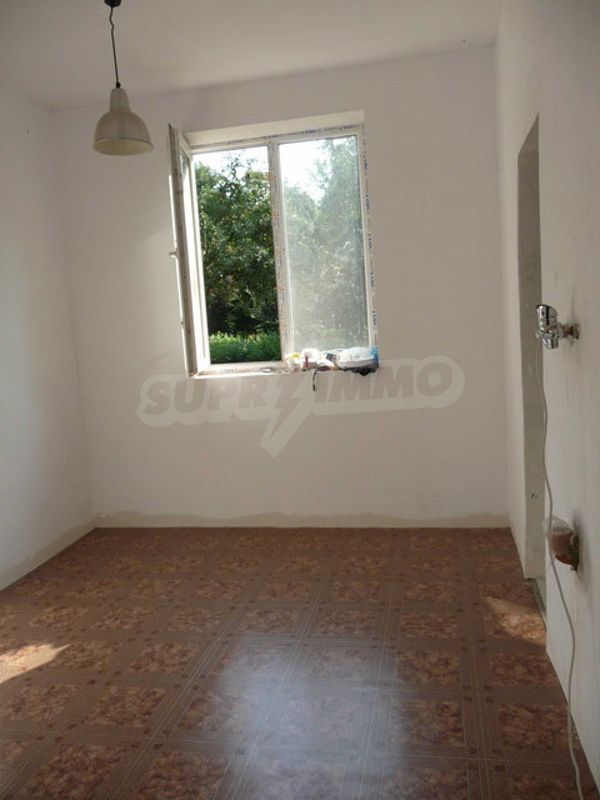 Ein-Zimmer-Wohnung im Dorf Strazhitsa 7
