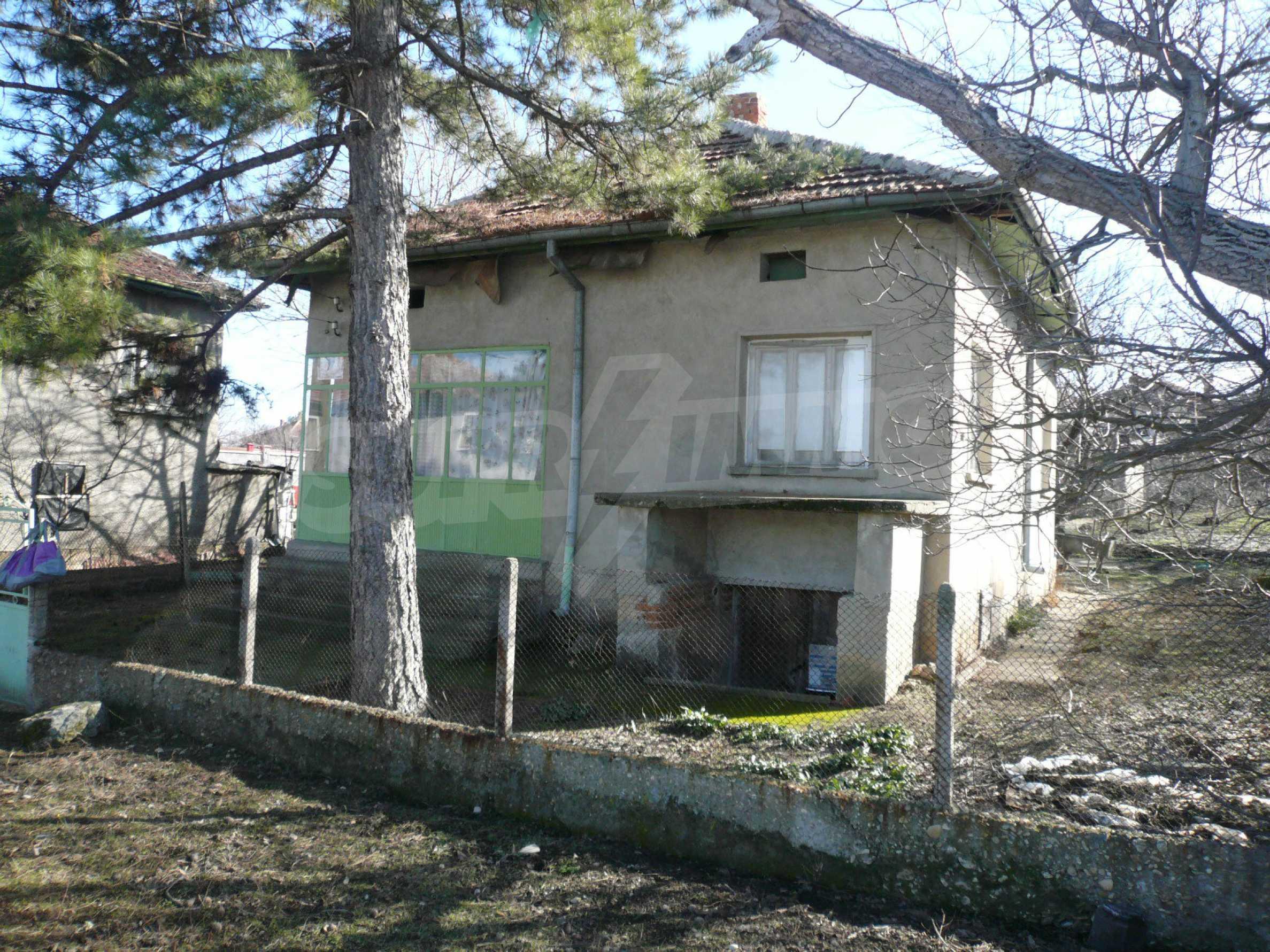 Einfamilienhaus mit Garten und Sommerküche in der Nähe von Vidin