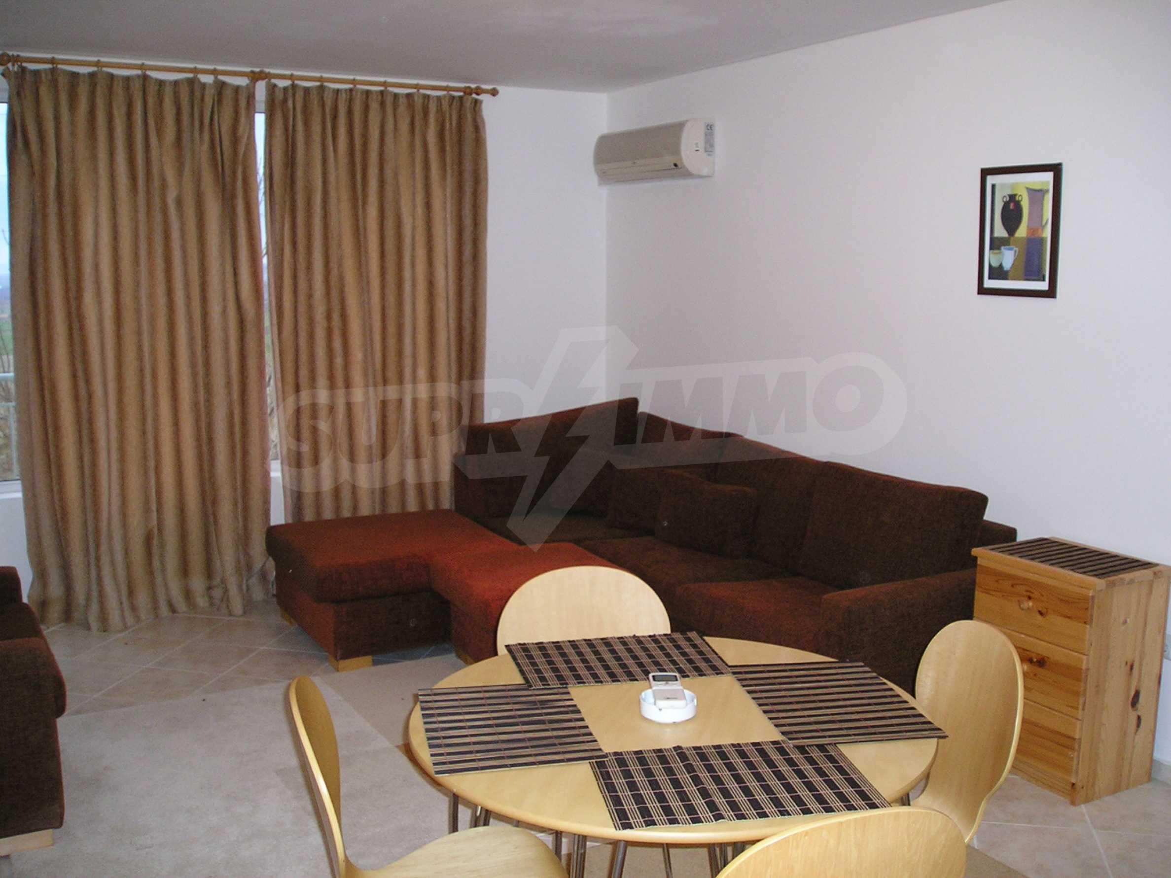 One-bedroom apartment in Sunset Apartments 1 in Kosharitsa 4