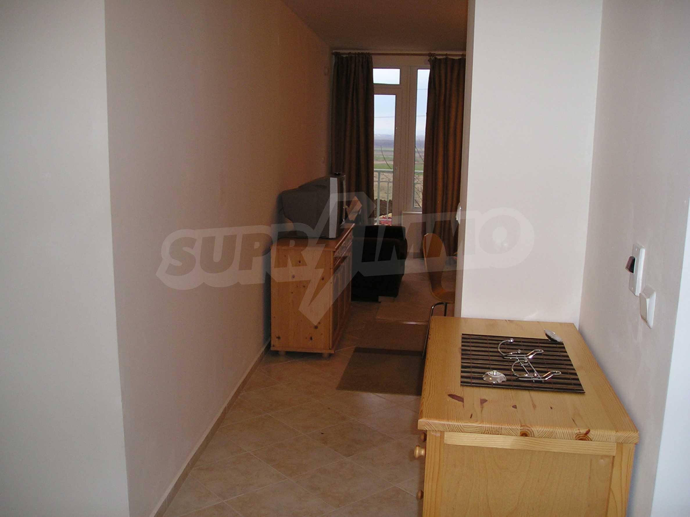 One-bedroom apartment in Sunset Apartments 1 in Kosharitsa 8