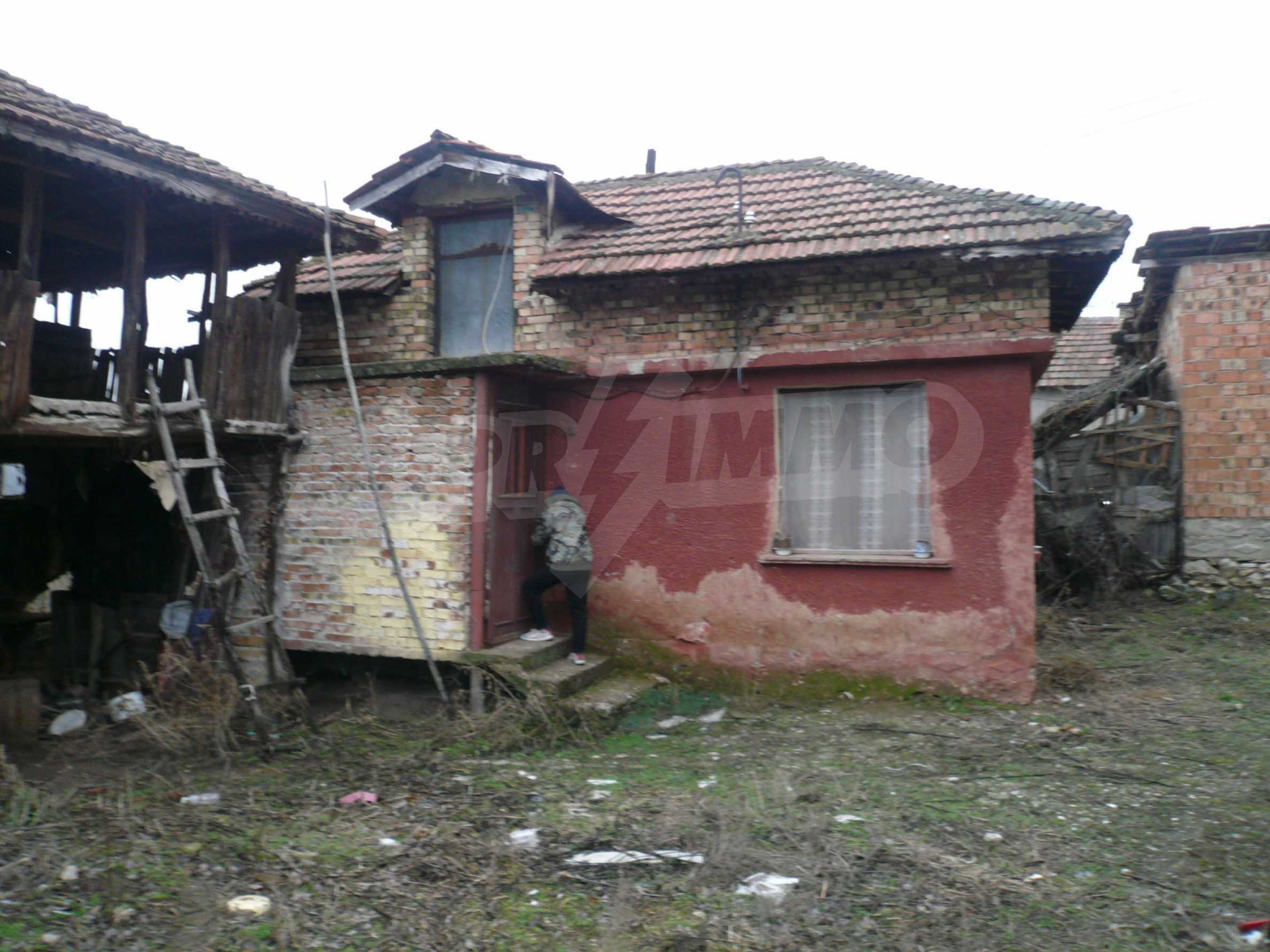Massive 2-storey house with yard near Vidin 14