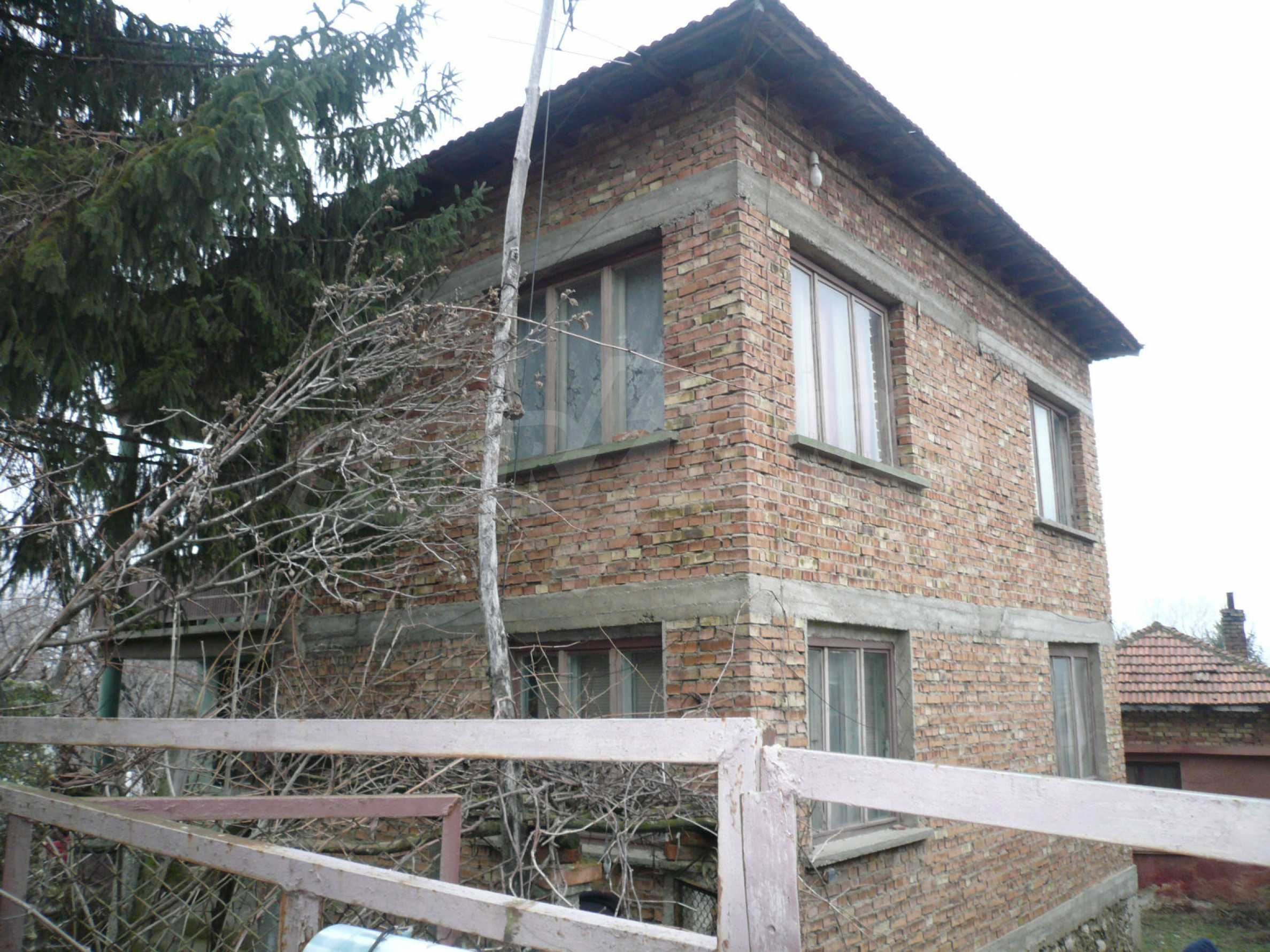 Massive 2-storey house with yard near Vidin 2