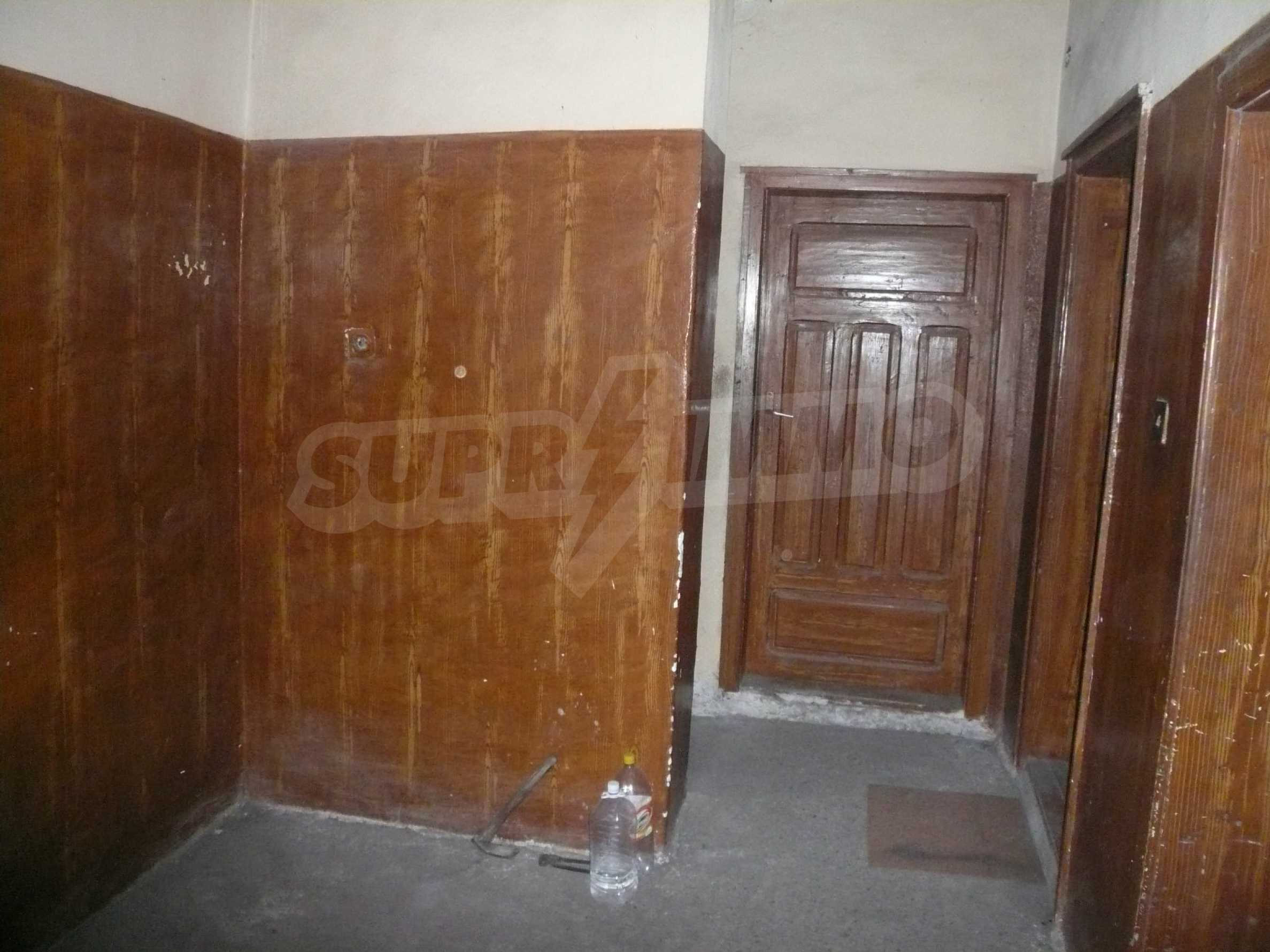 Massive 2-storey house with yard near Vidin 3
