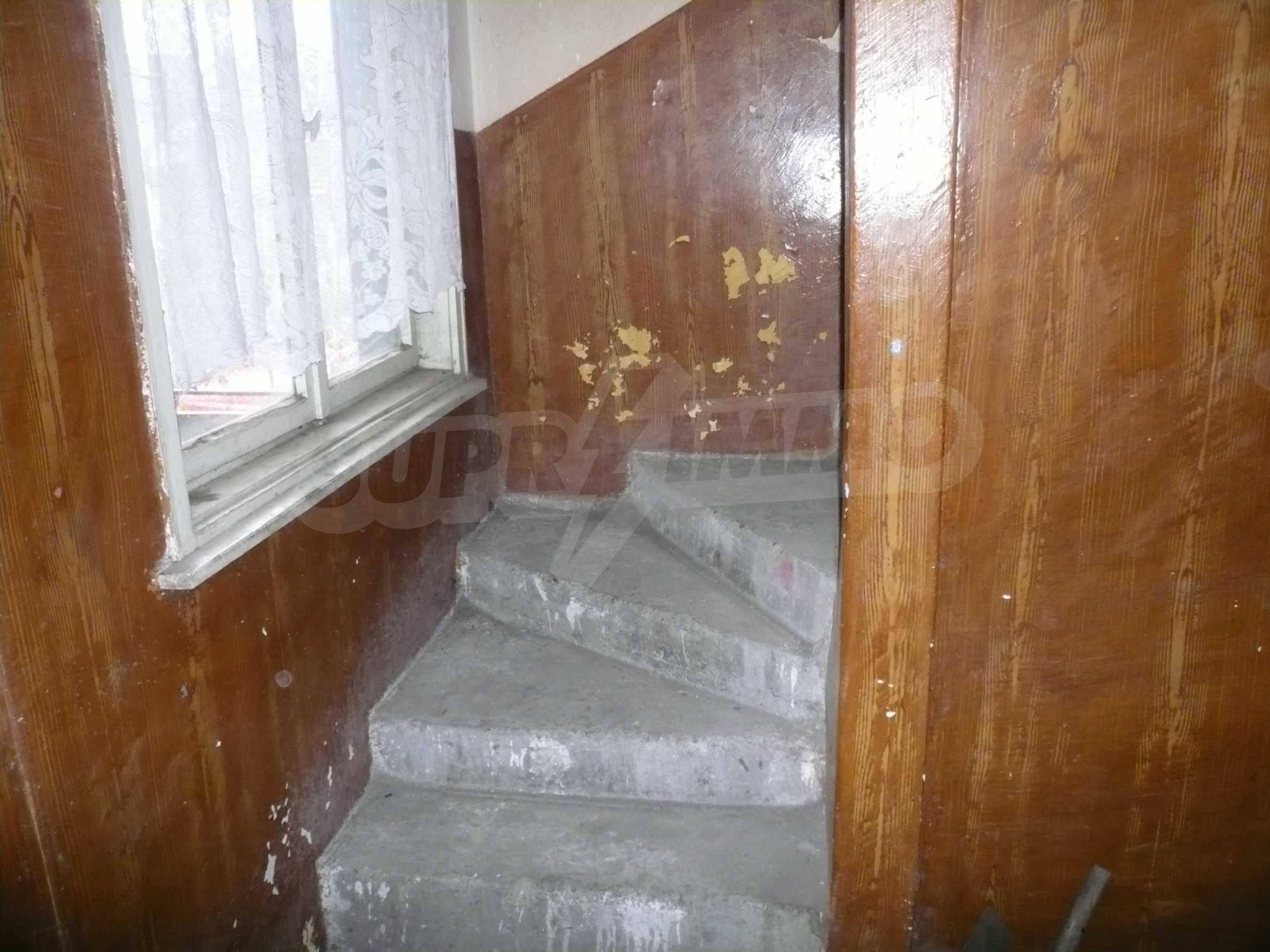 Massive 2-storey house with yard near Vidin 7