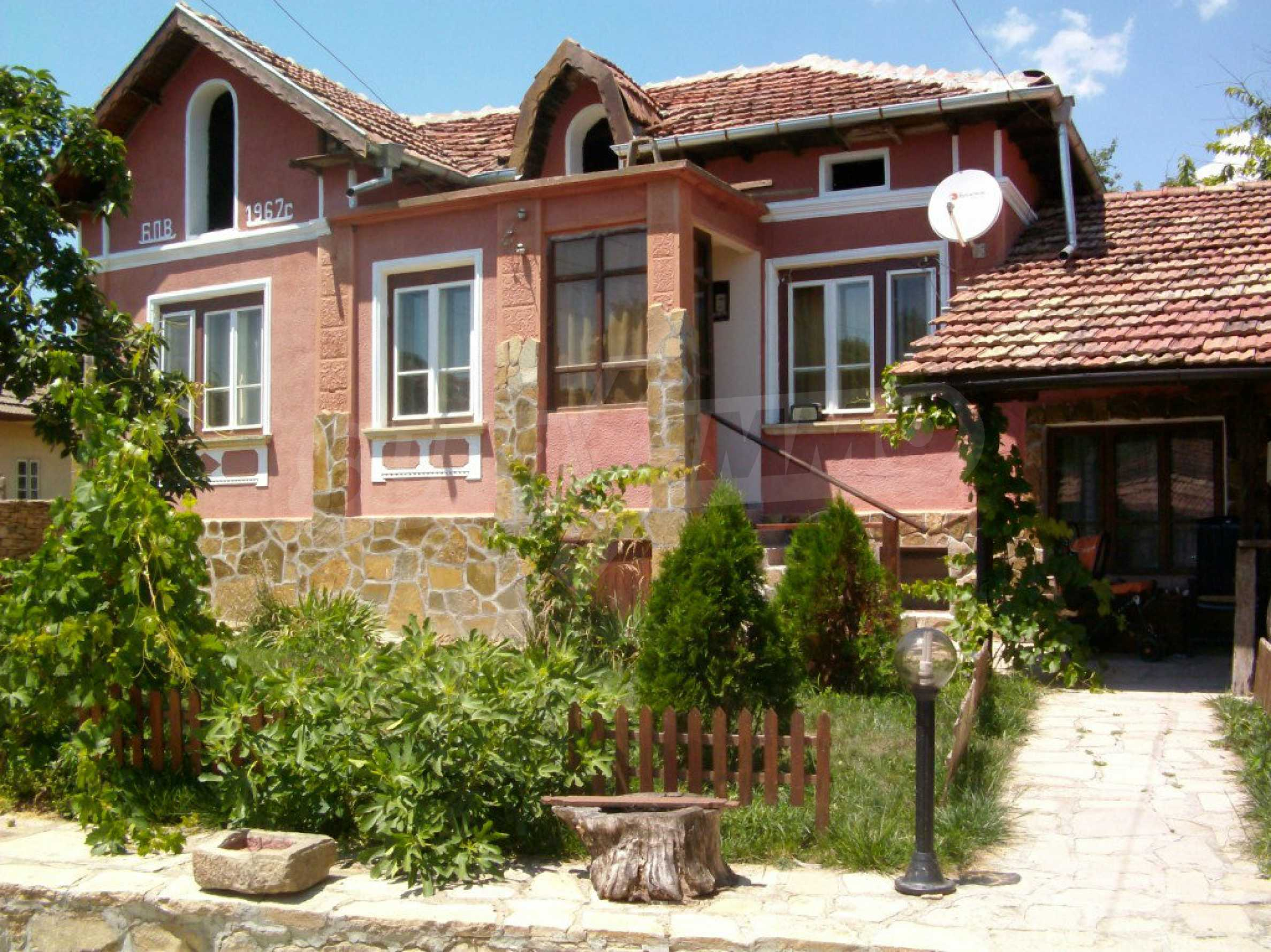 Fully renovated and furnished property in traditional Bulgarian style 1