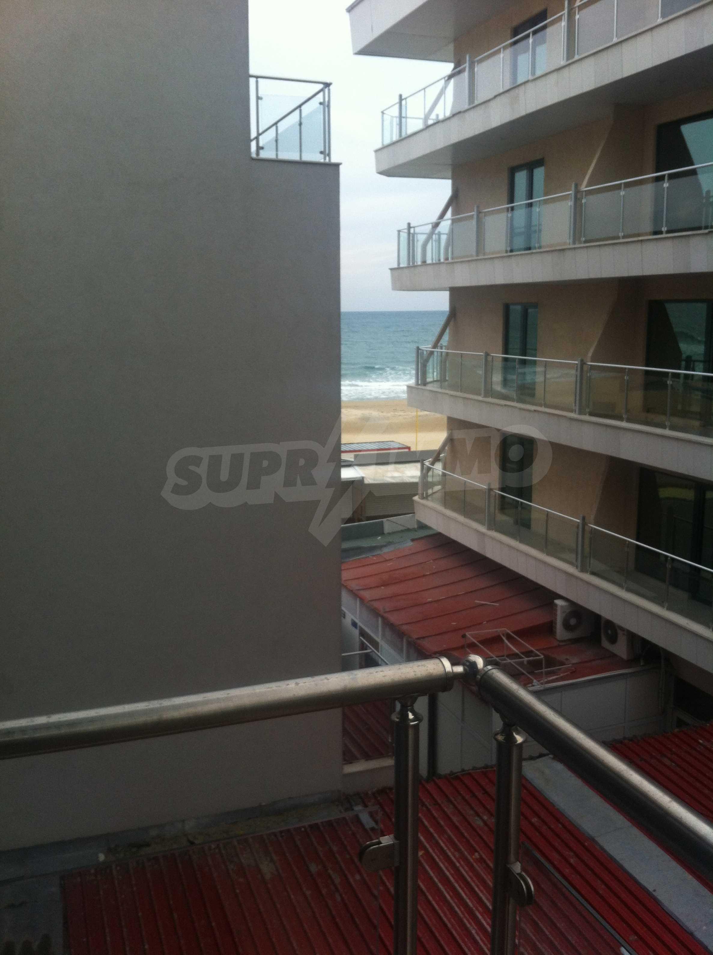 Wohnungen im Sommerkomplex in Sunny Beach 12