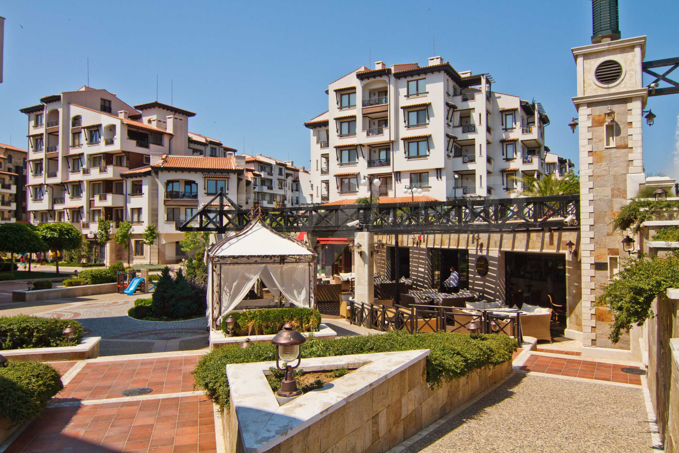 """Komfortables Apartment mit einem Schlafzimmer in einem prestigeträchtigen Komplex in der Nähe des Strandes """"Oasis"""" 9"""