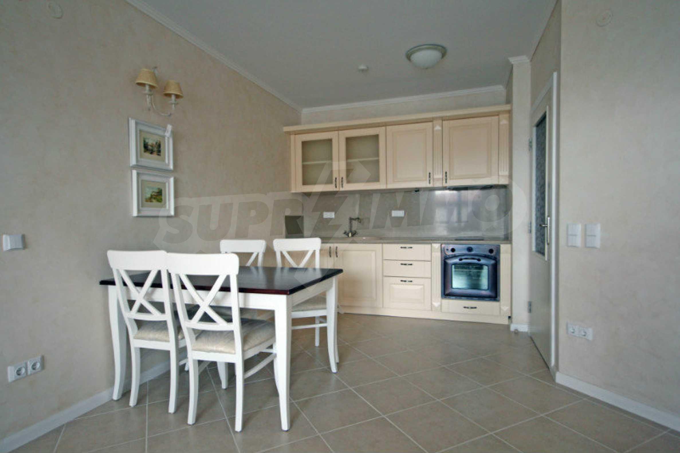 """Komfortables Apartment mit einem Schlafzimmer in einem prestigeträchtigen Komplex in der Nähe des Strandes """"Oasis"""" 1"""